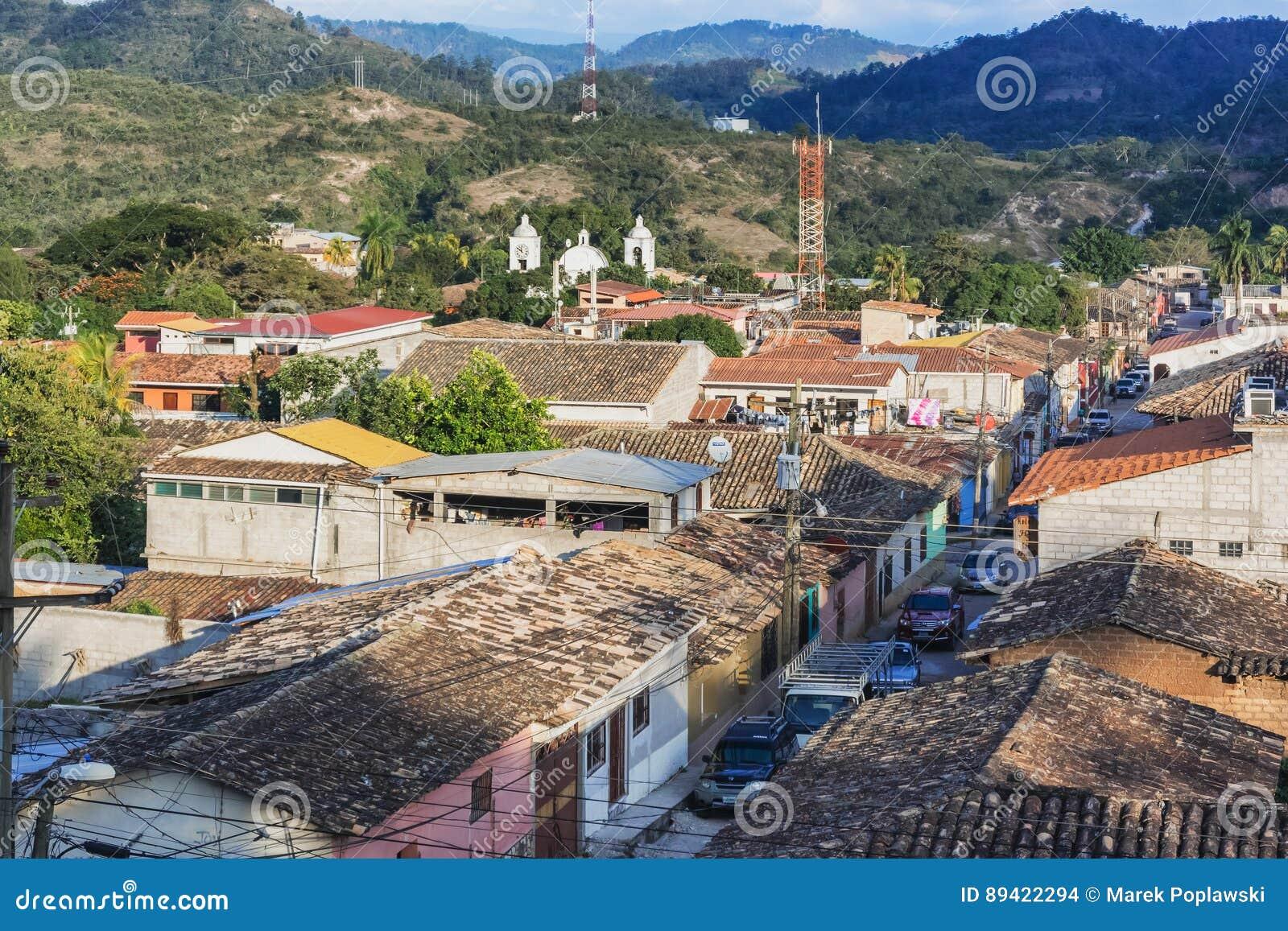 Vista aérea na cidade de Gracias nas Honduras