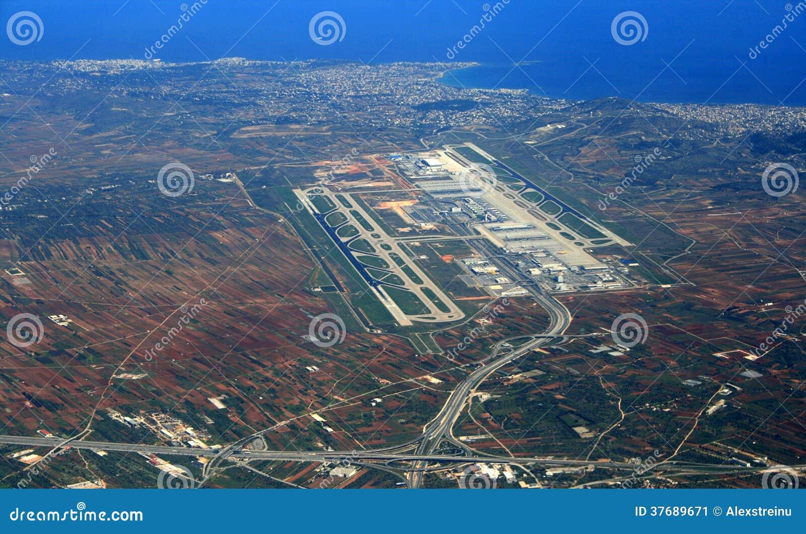 Aeroporto Atene : Vista aerea dell aeroporto di atene immagine stock