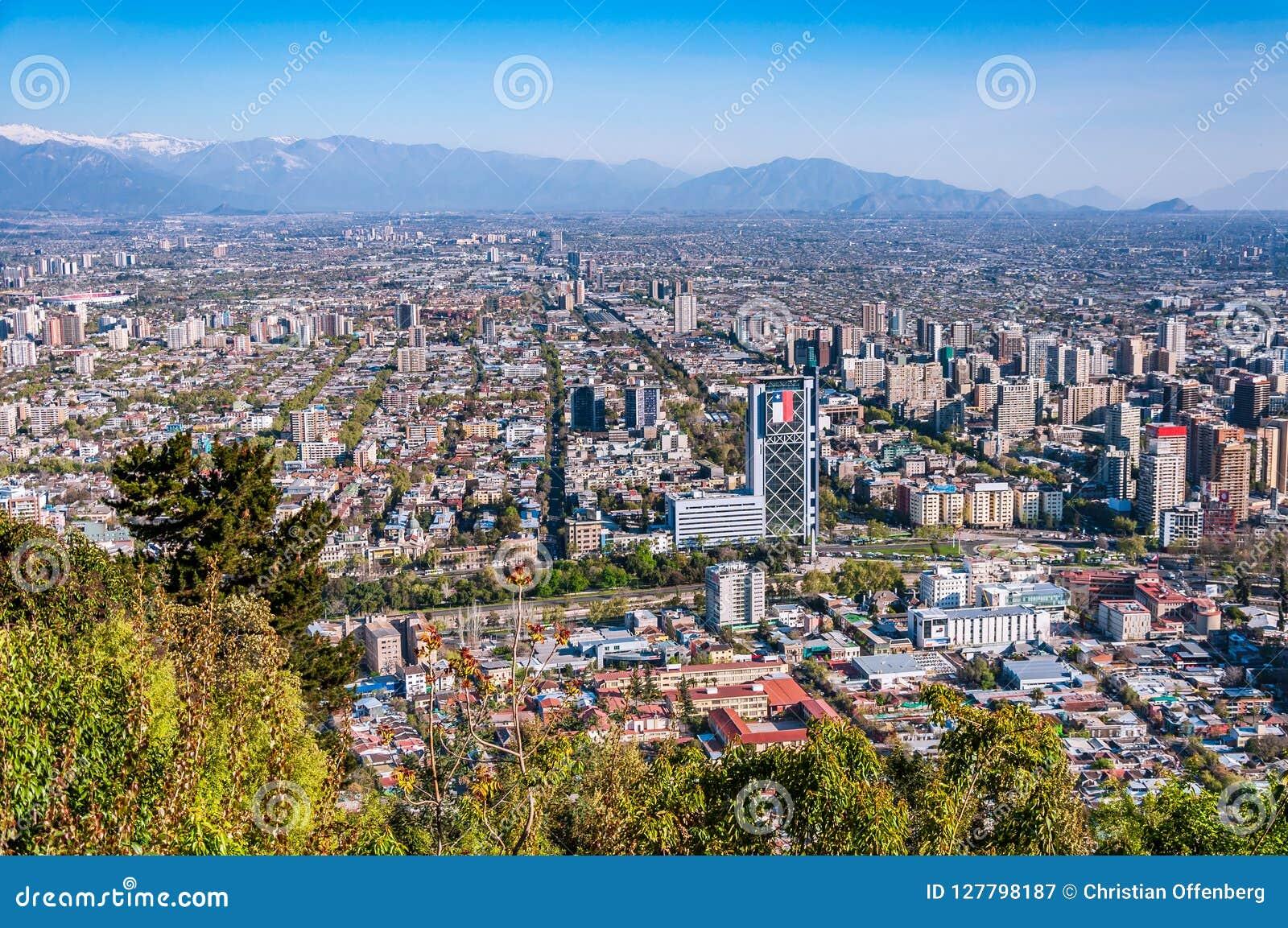 Vista aerea della città di Santiago del Cile