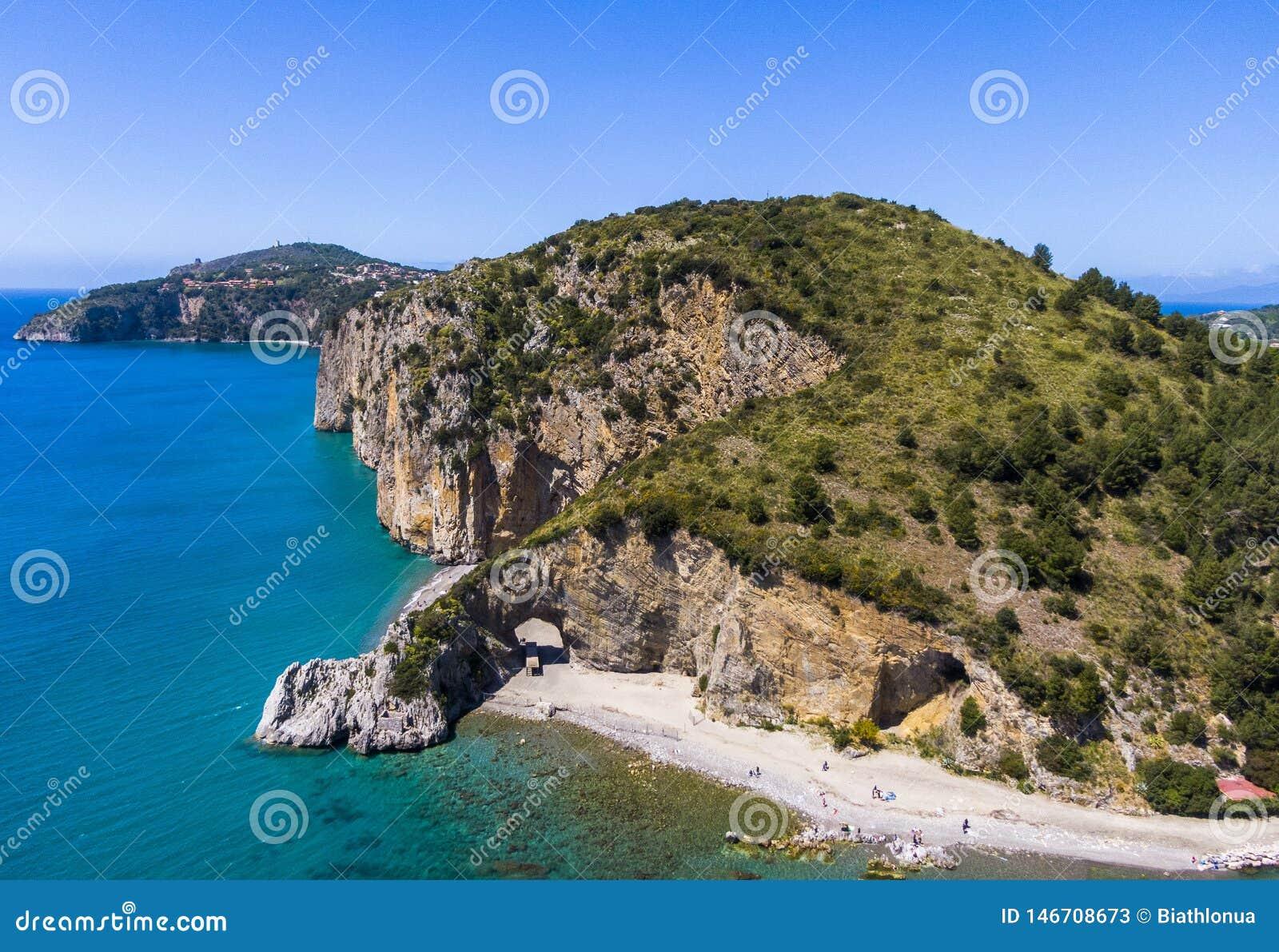 Vista aerea della costa di Palinuro e dell arco naturale, Italia