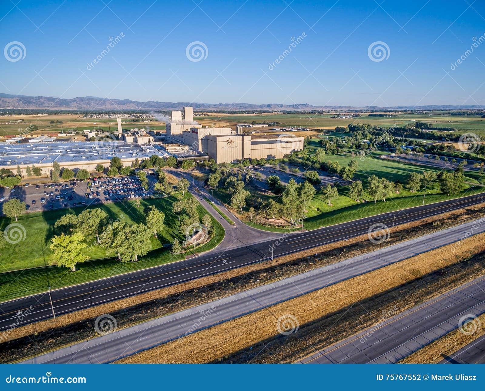 Vista aerea della fabbrica di birra di Anheuser-Bush