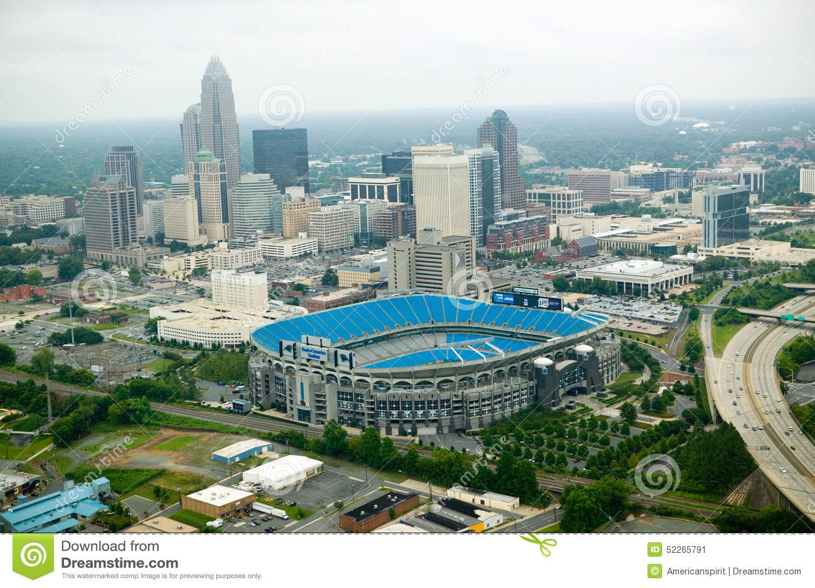 Vista aerea dello stadio di Ericcson e di Charlotte, NC