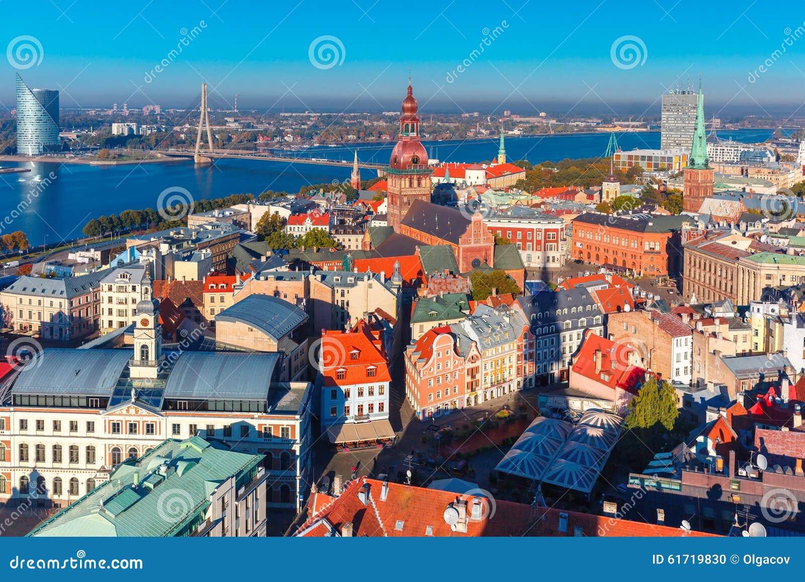 Vista aerea di Città Vecchia e del Daugava, Riga, Lettonia