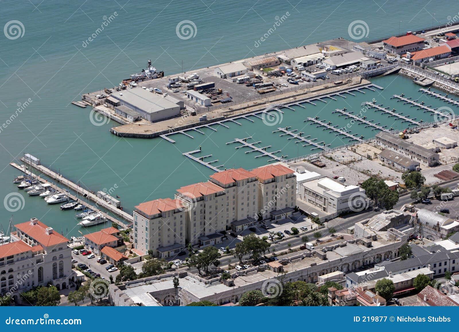 Vista aerea di nuovo porto in Gibilterra, Europa