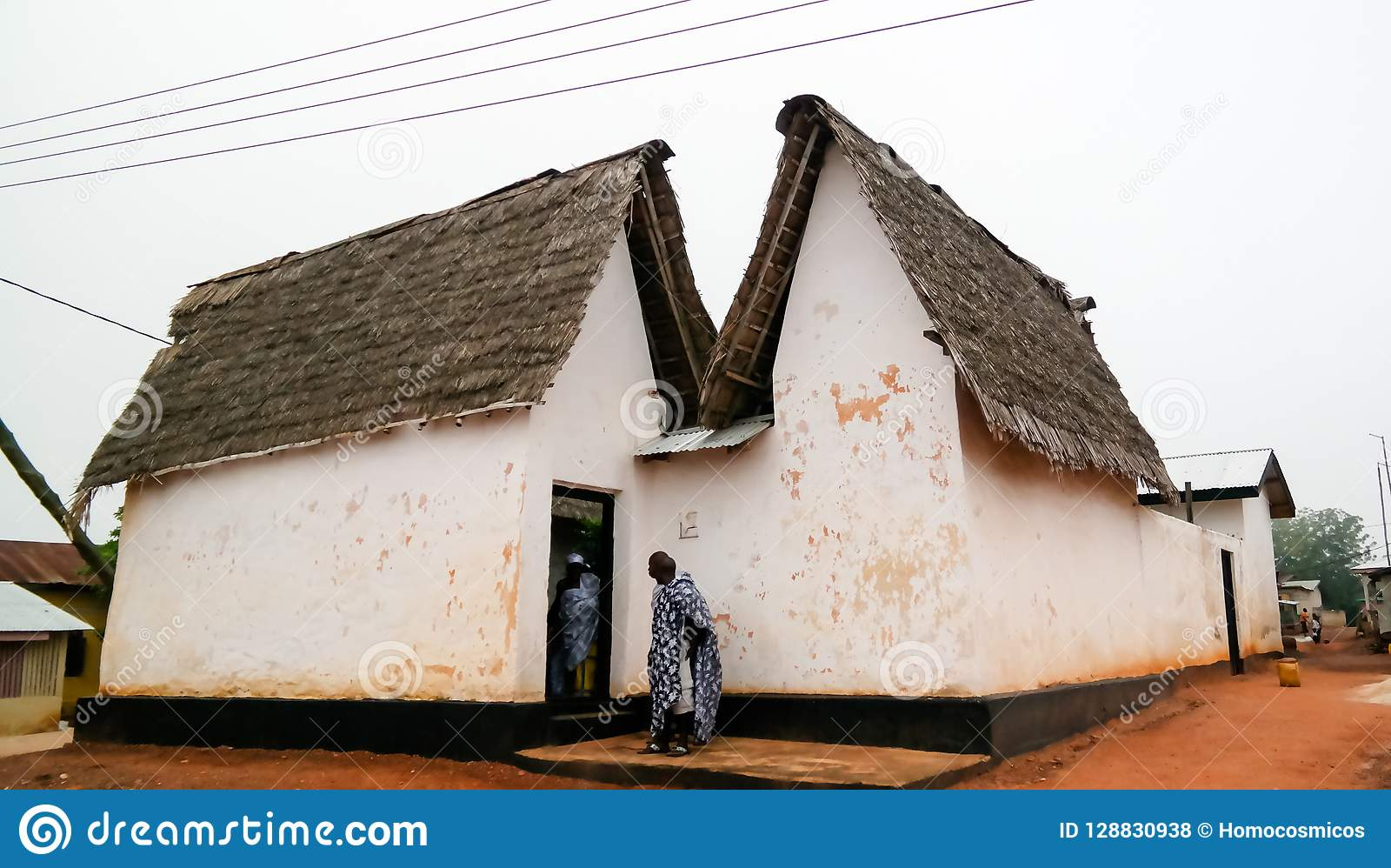 Vista a Besease Asante Shrine tradicional en, Ejisu, Kumasi, Ghana