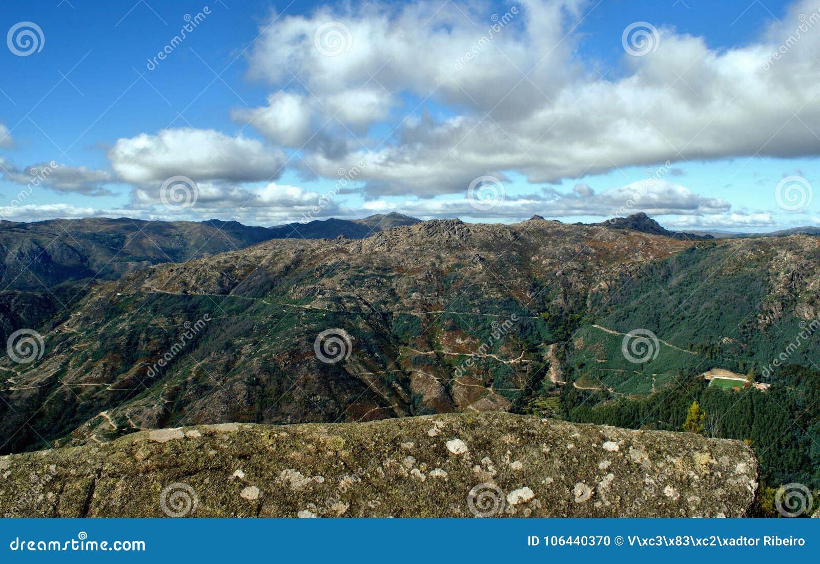 Vista cênico do parque nacional de Peneda Geres