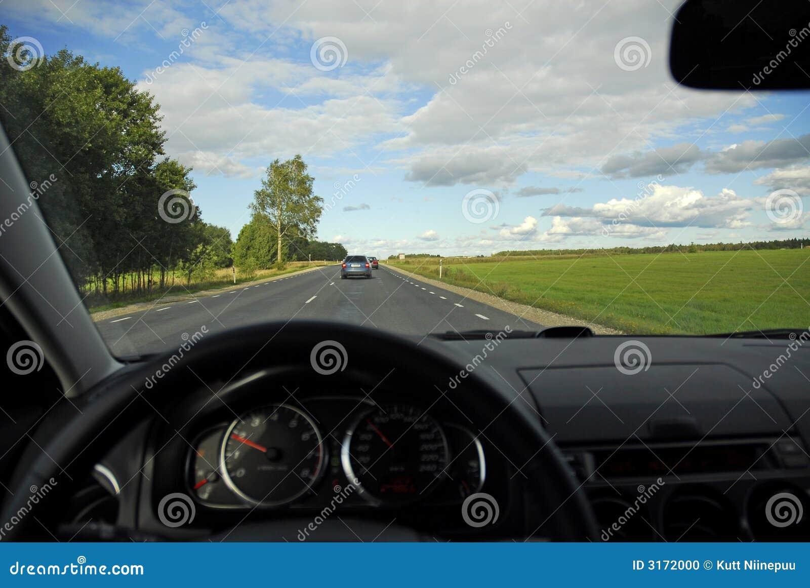 Vista In-car da autoestrada