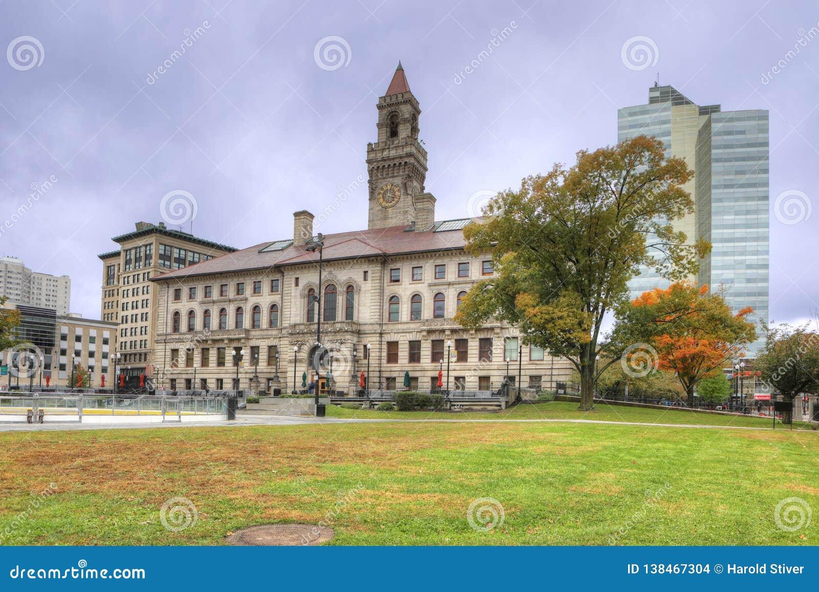 Vista da câmara municipal em Worcester, Massachusetts