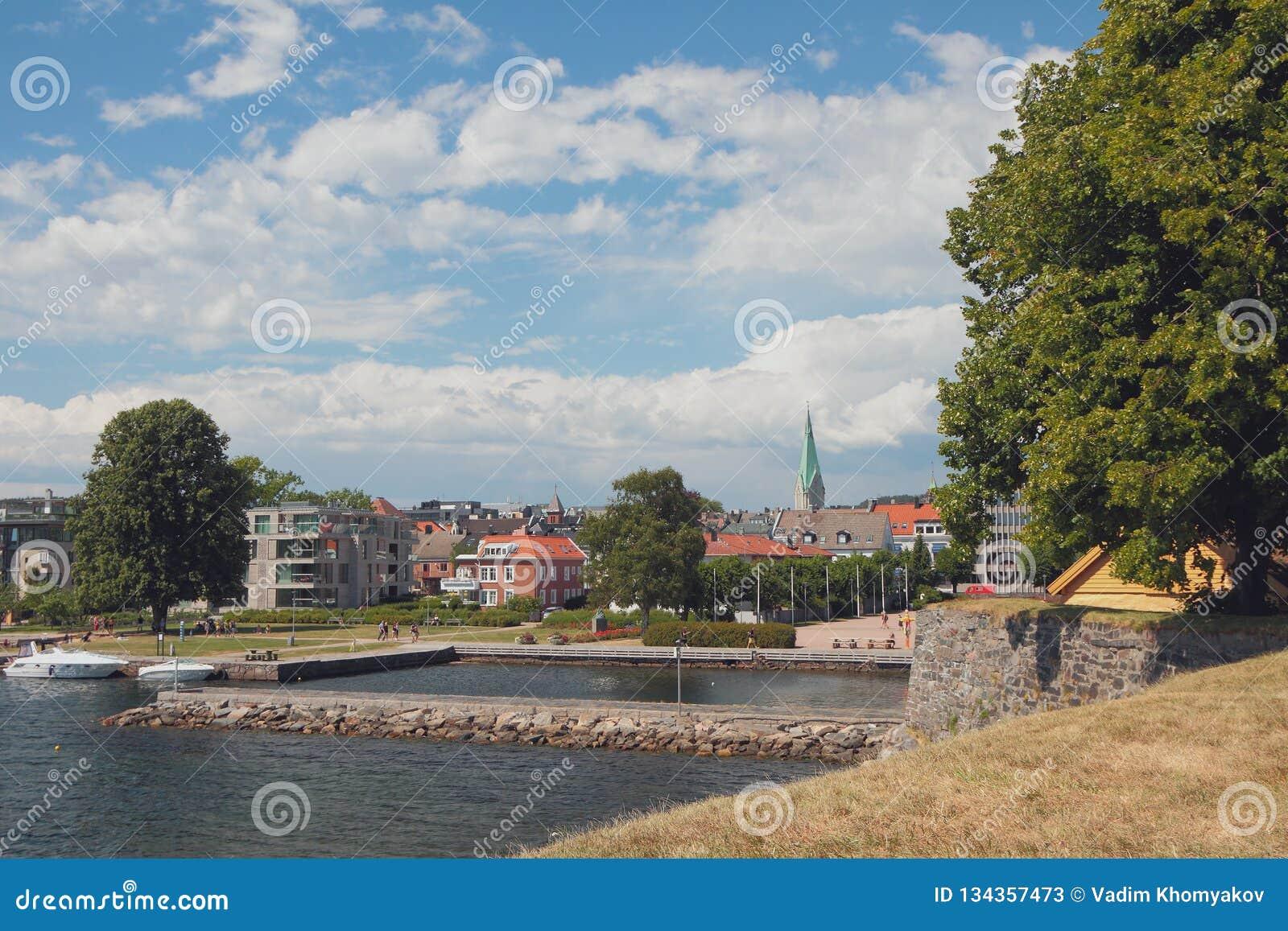 Vista da cidade de Kristiansholm Kristiansand, Noruega
