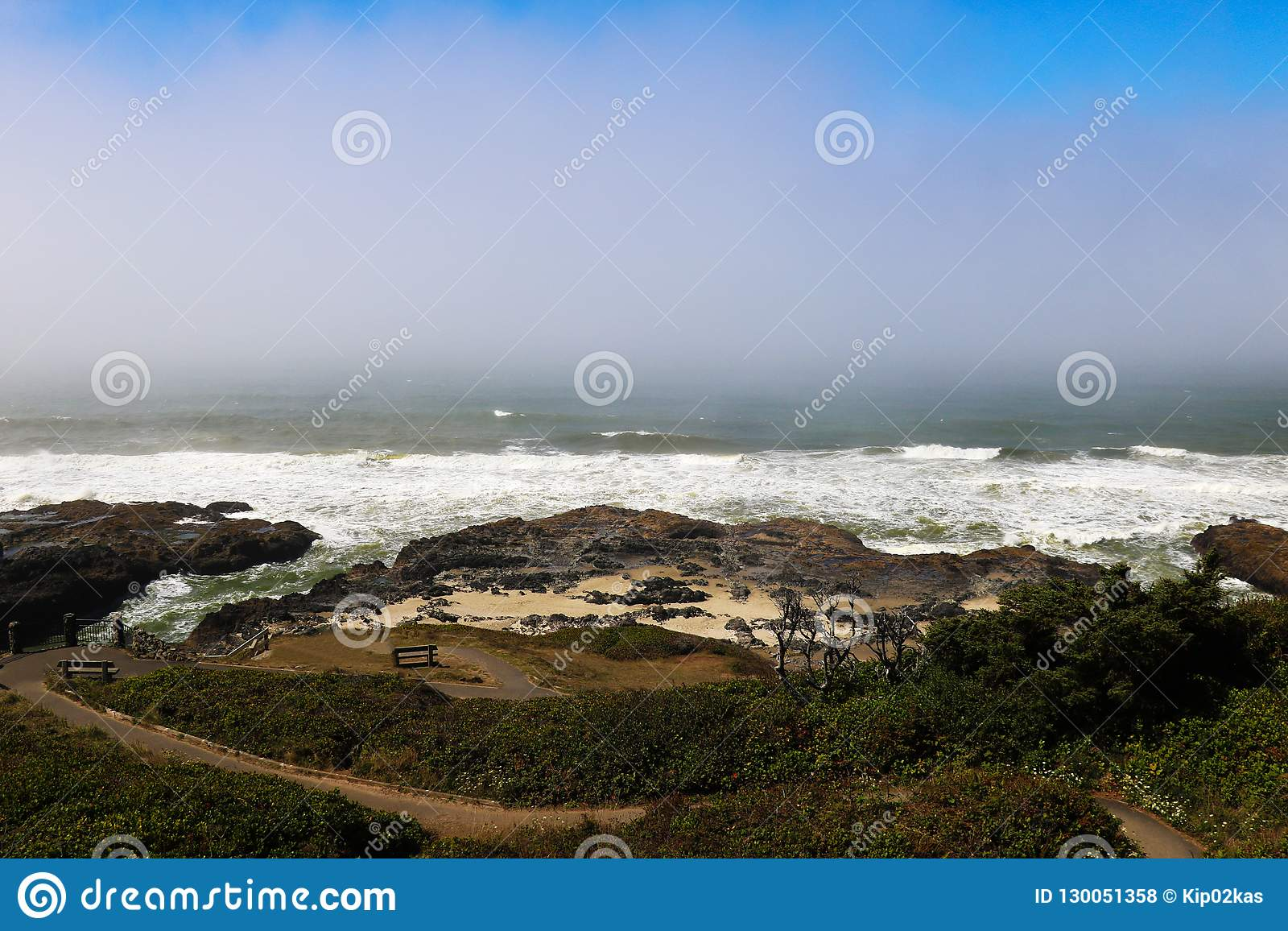 Vista da estrada do Oceano Pacífico e da Costa do Pacífico, Califórnia