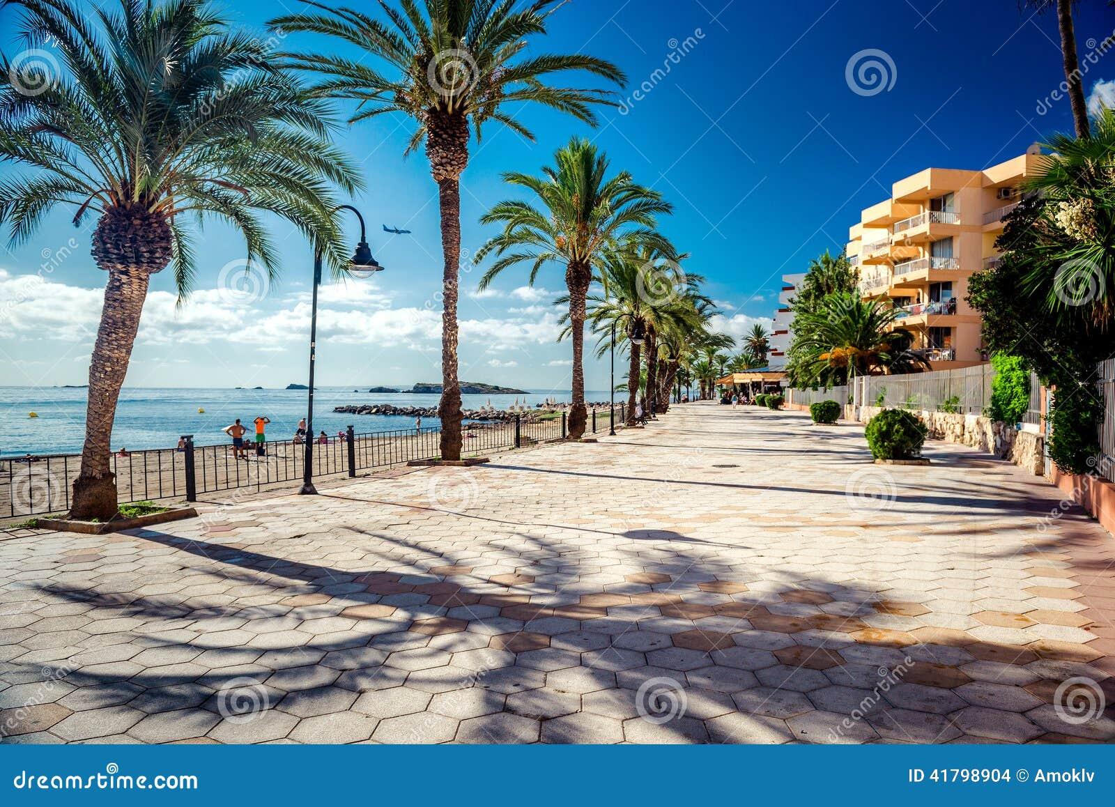 Vista da frente marítima de Ibiza