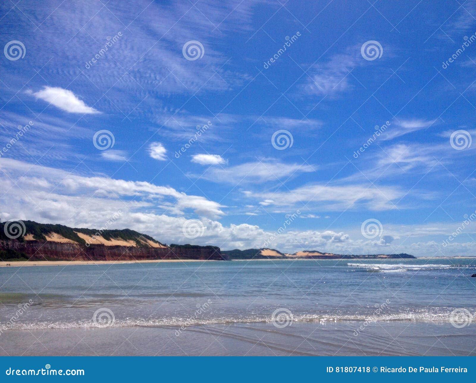Vista da praia famosa do Pipa - para a Web