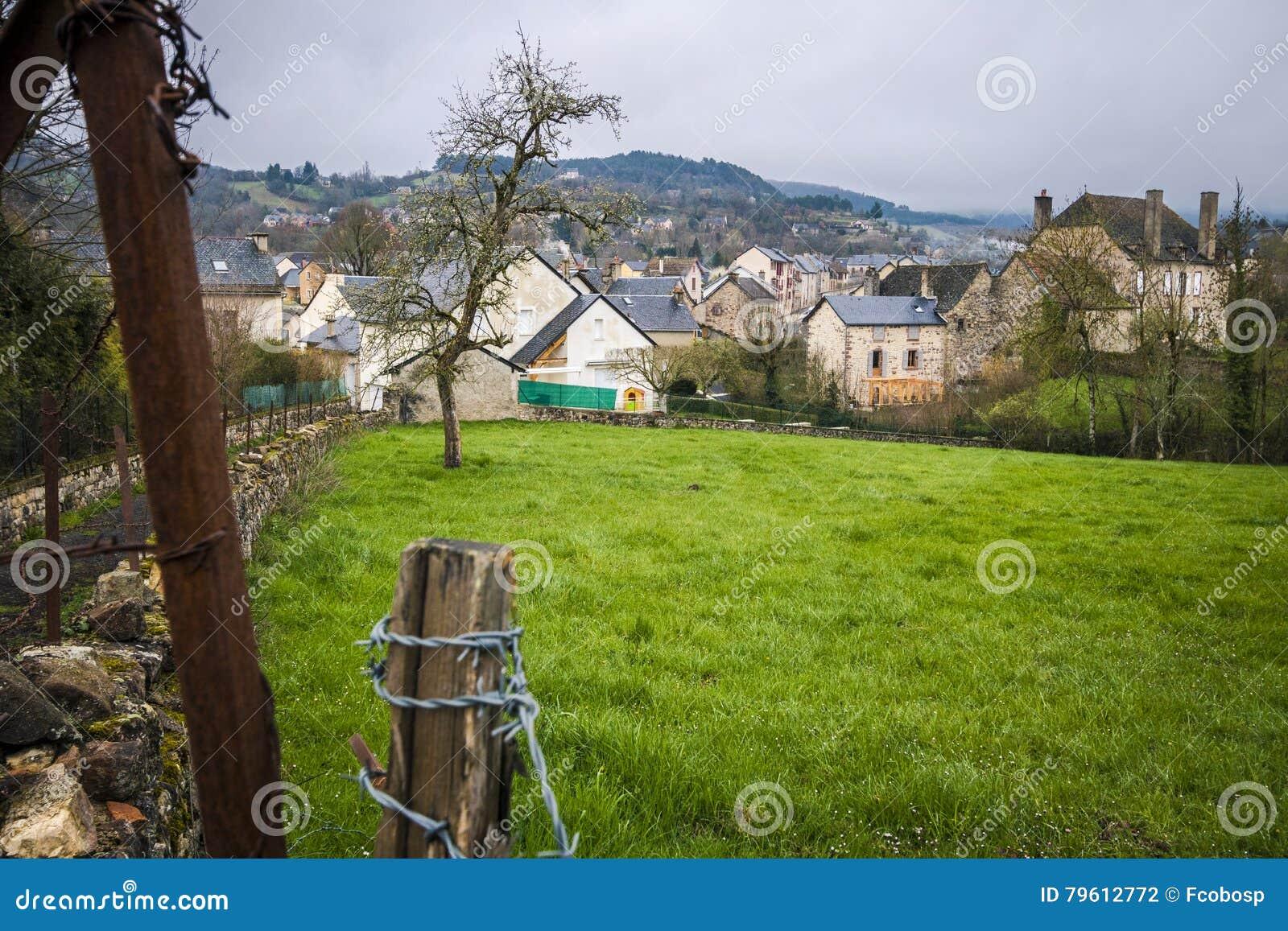 Vista da vila de Banassac, França
