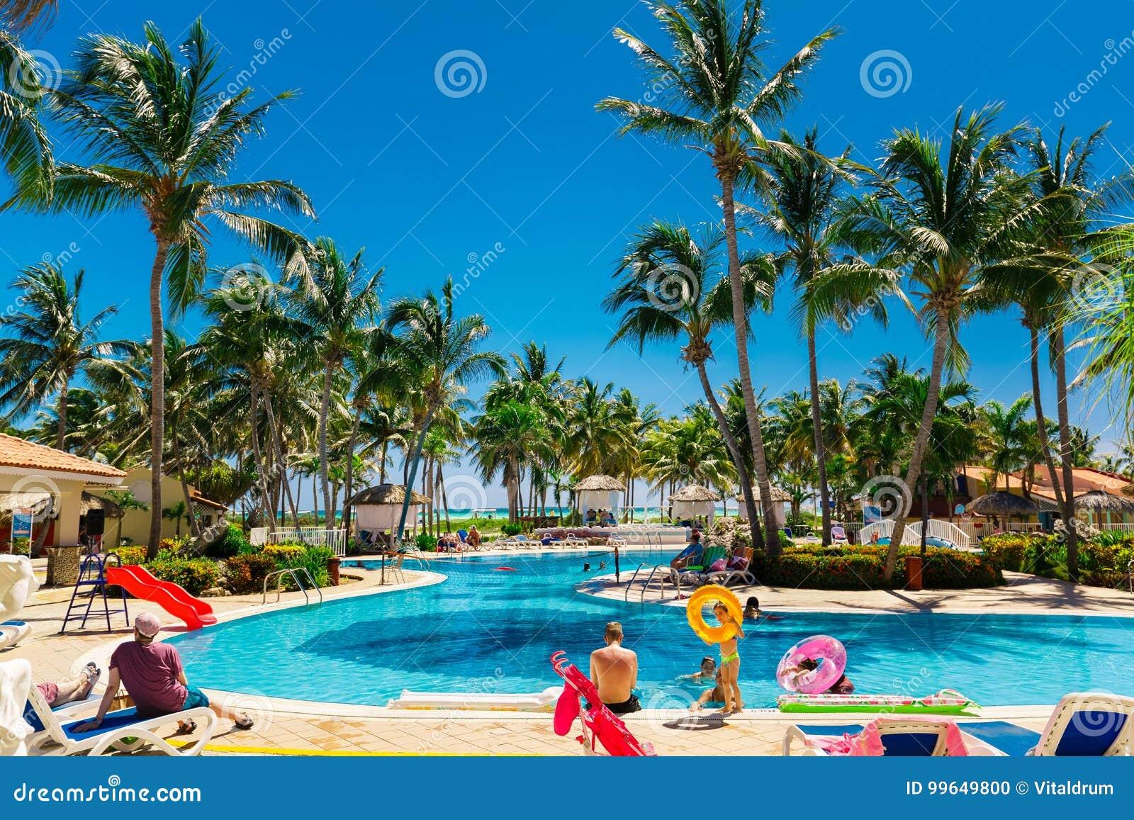Vista Dal Lato Dell 39 Ingresso Dell 39 Hotel Sull 39 Invito La