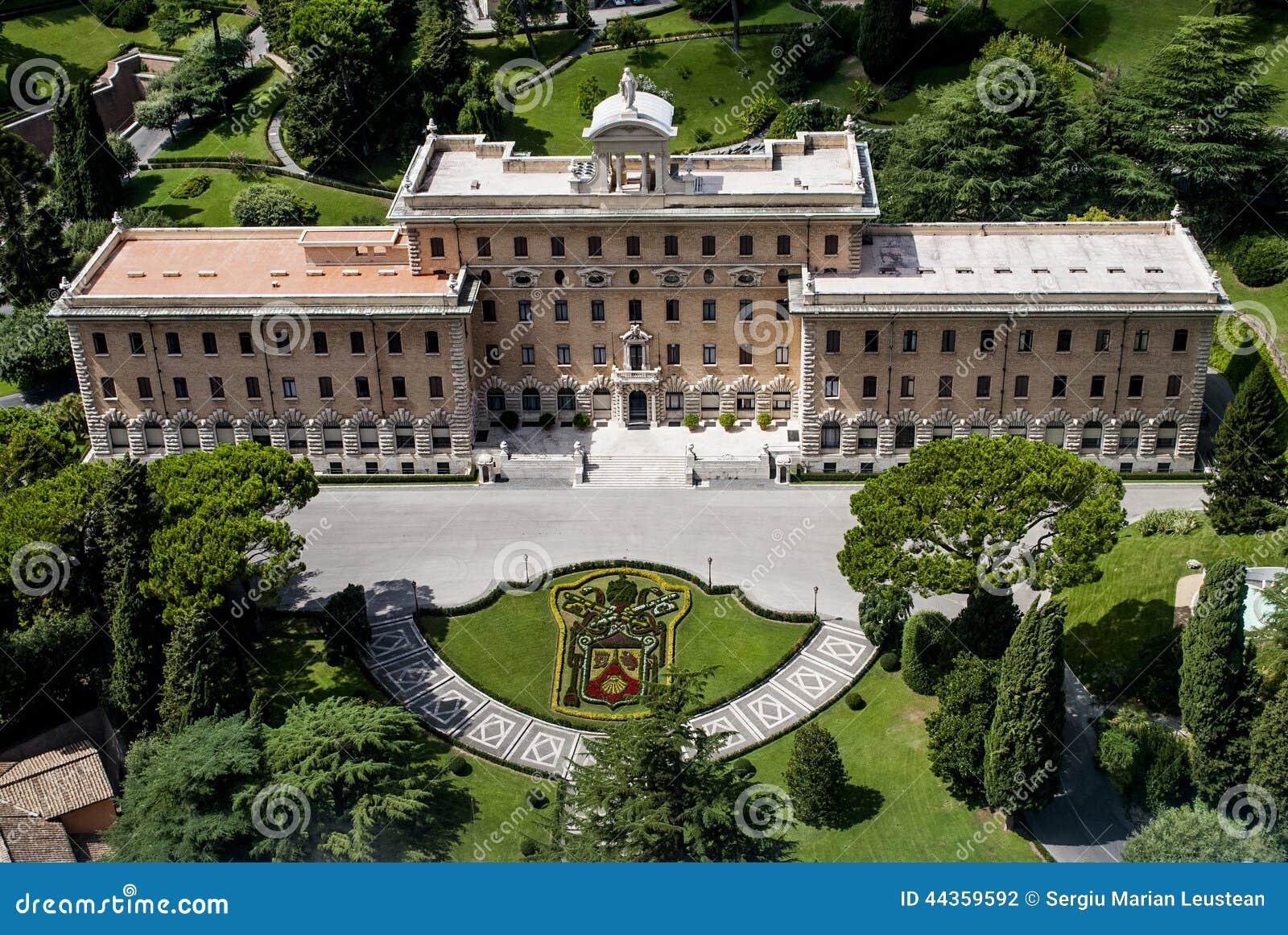 Vista dal Vaticano sopra la Camera ed il giardino di papa