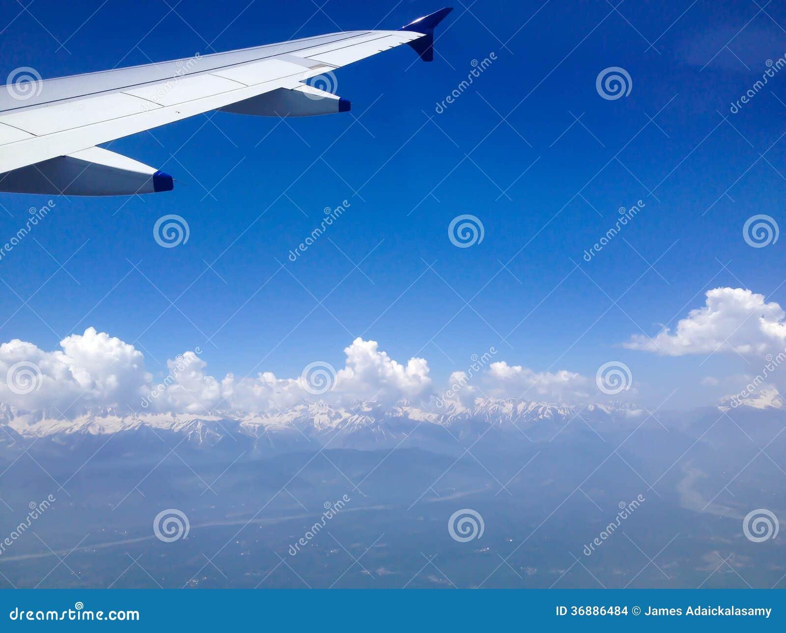 Download Vista Dalla Finestra Dell'aeroplano Fotografia Stock - Immagine di himalaya, airline: 36886484