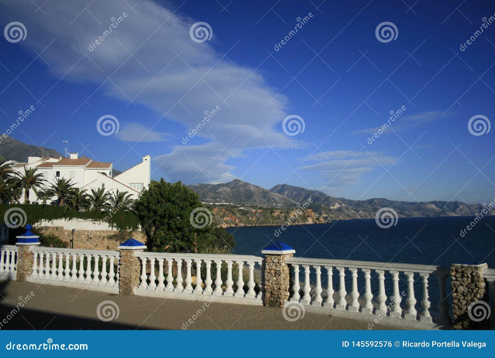 Vista das montanhas de Nerja