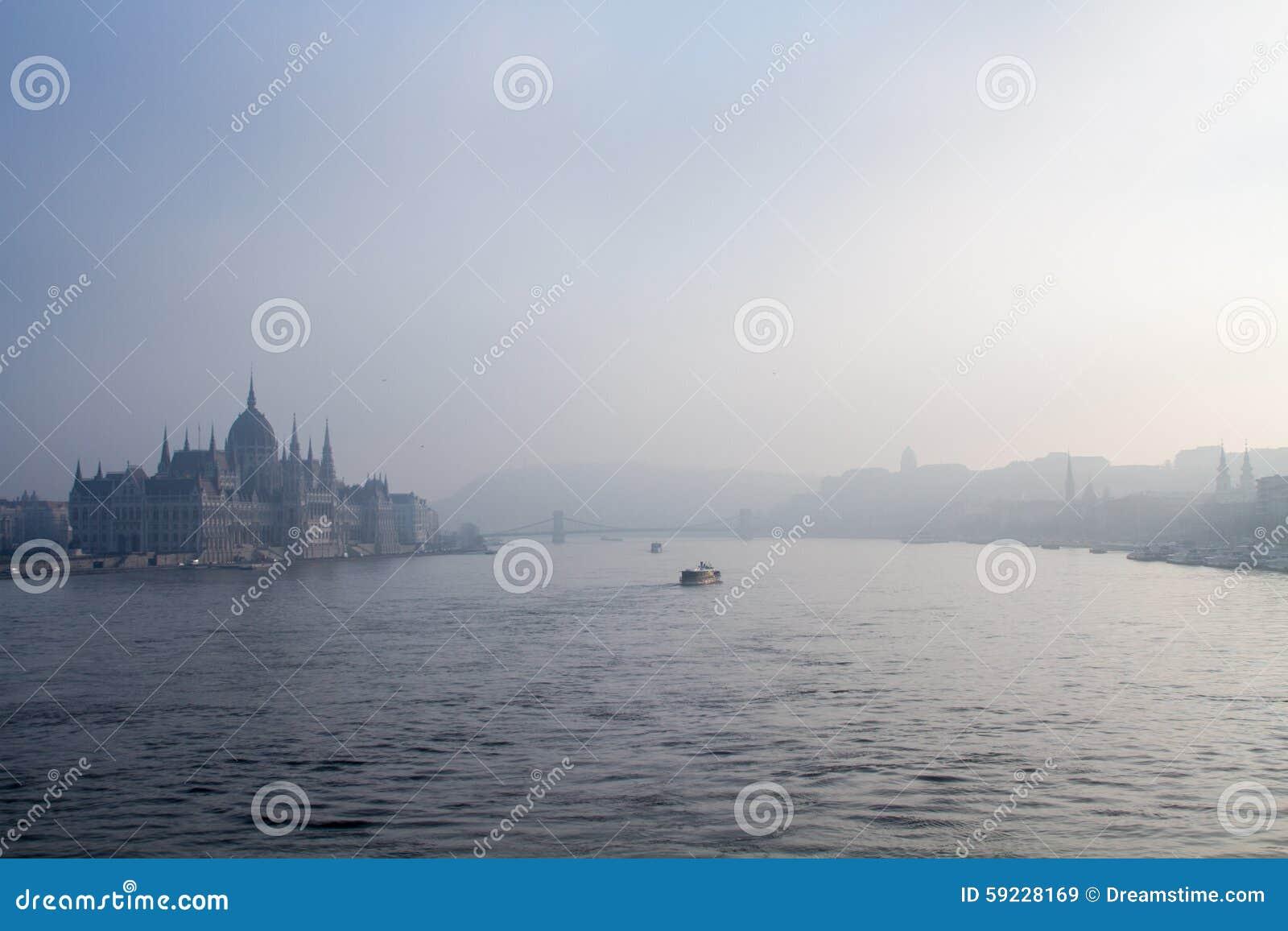 Download Vista de Budapest imagen de archivo. Imagen de agua, azul - 59228169