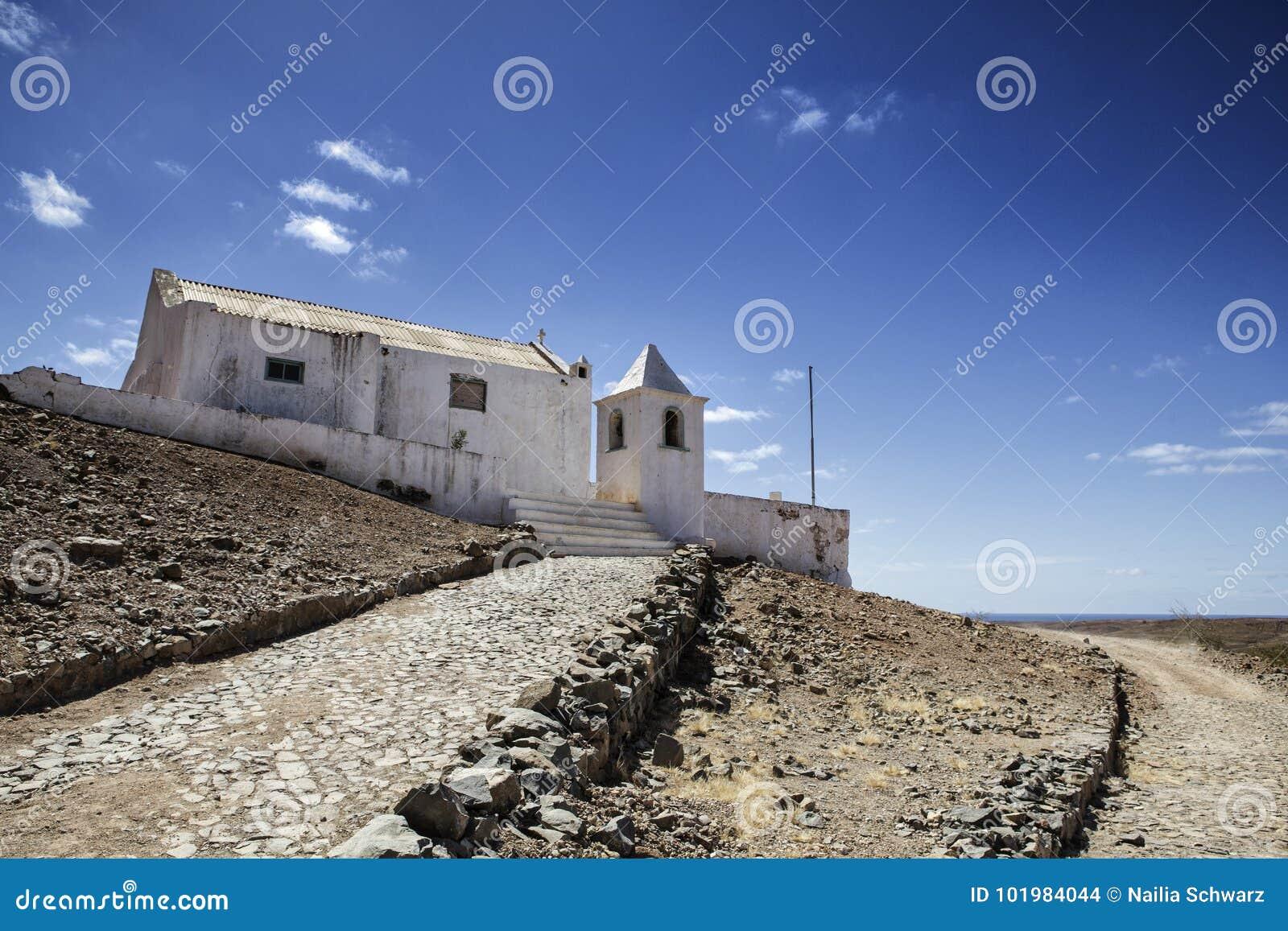 Vista de edificios y de pueblos viejos en Cabo Verde