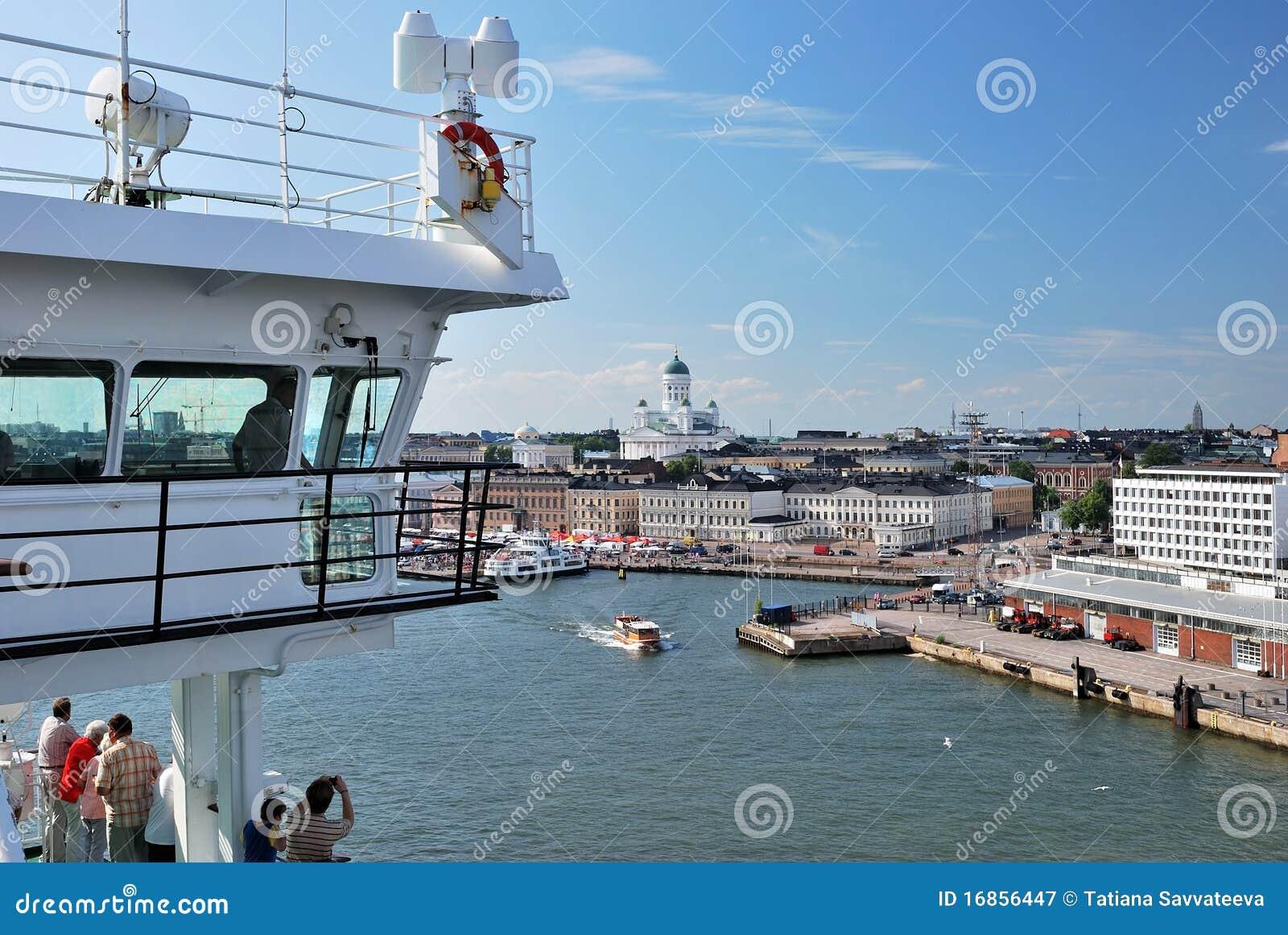 Vista de Helsínquia da balsa