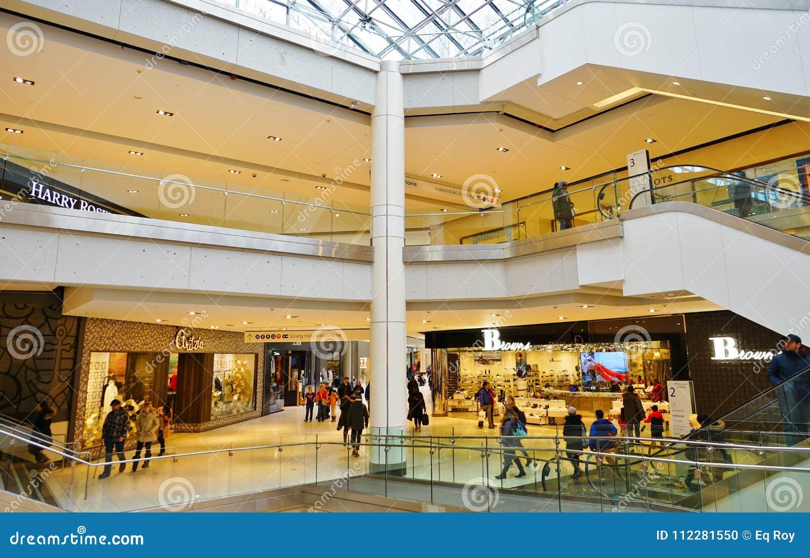 Vista de la alameda de compras del centro de Rideau en Ottawa céntrica, Canadá