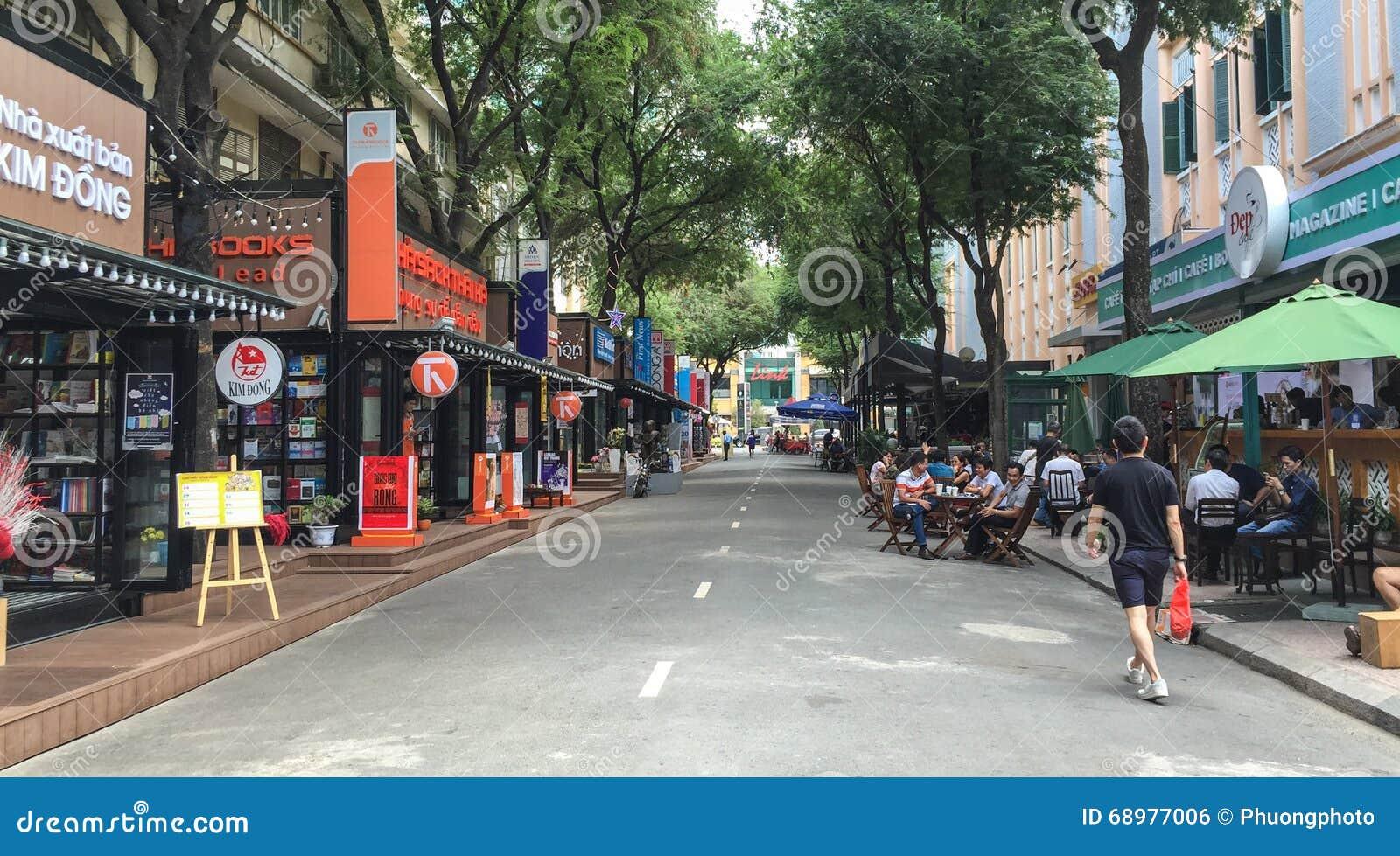 Vista de la calle en el distrito 1, Saigon, Vietnam