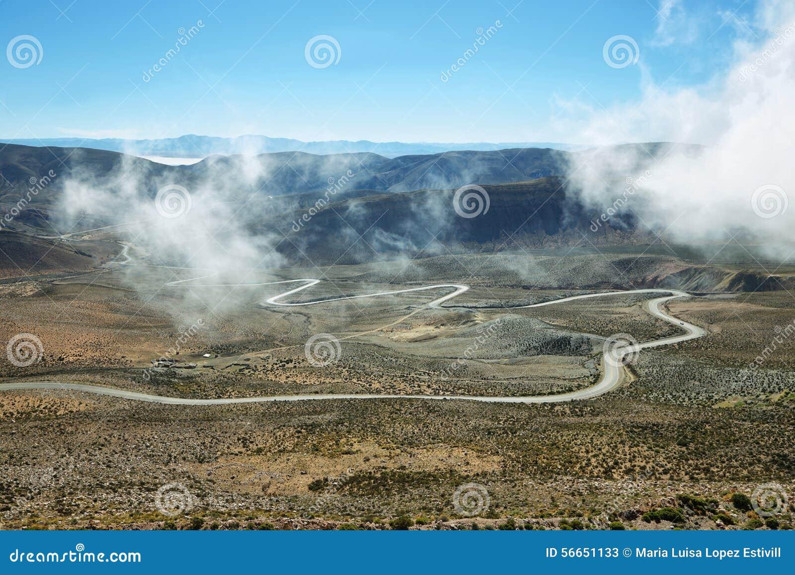 Vista de la carretera con curvas conocida como Cuesta de Lipan