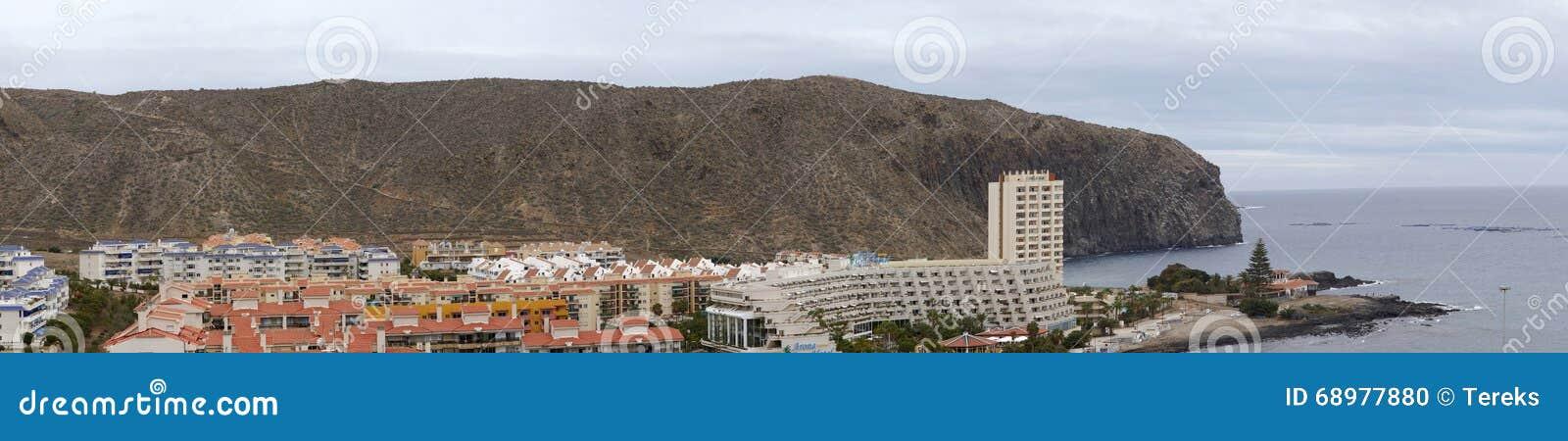 Vista de la ciudad del Los Cristianos, Tenerife