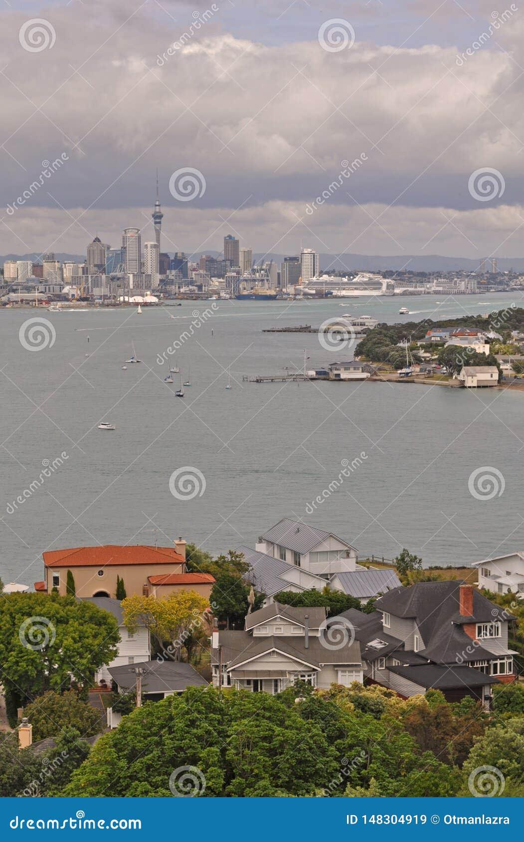 Vista de la ciudad del ?rea de Devonport, isla del norte, Nueva Zelanda de Auckland