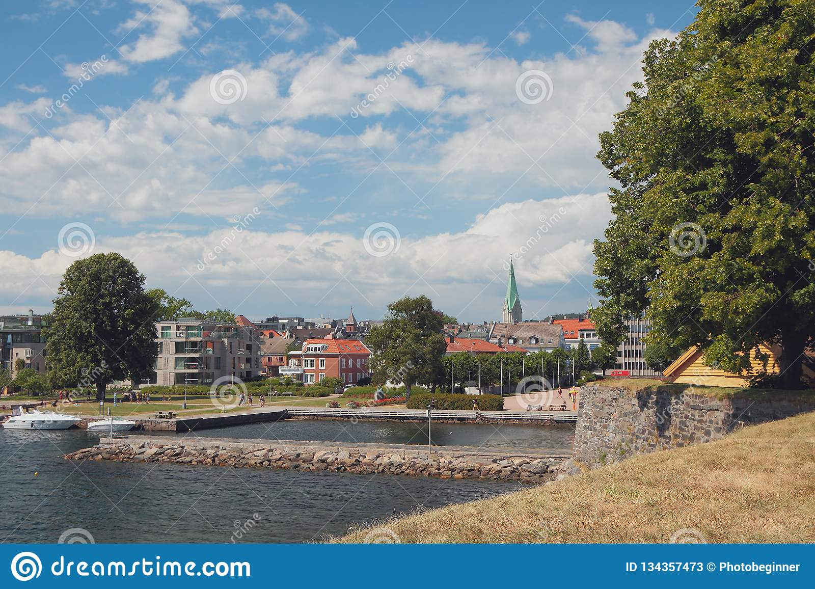 Vista de la ciudad de Kristiansholm Kristiansand, Noruega
