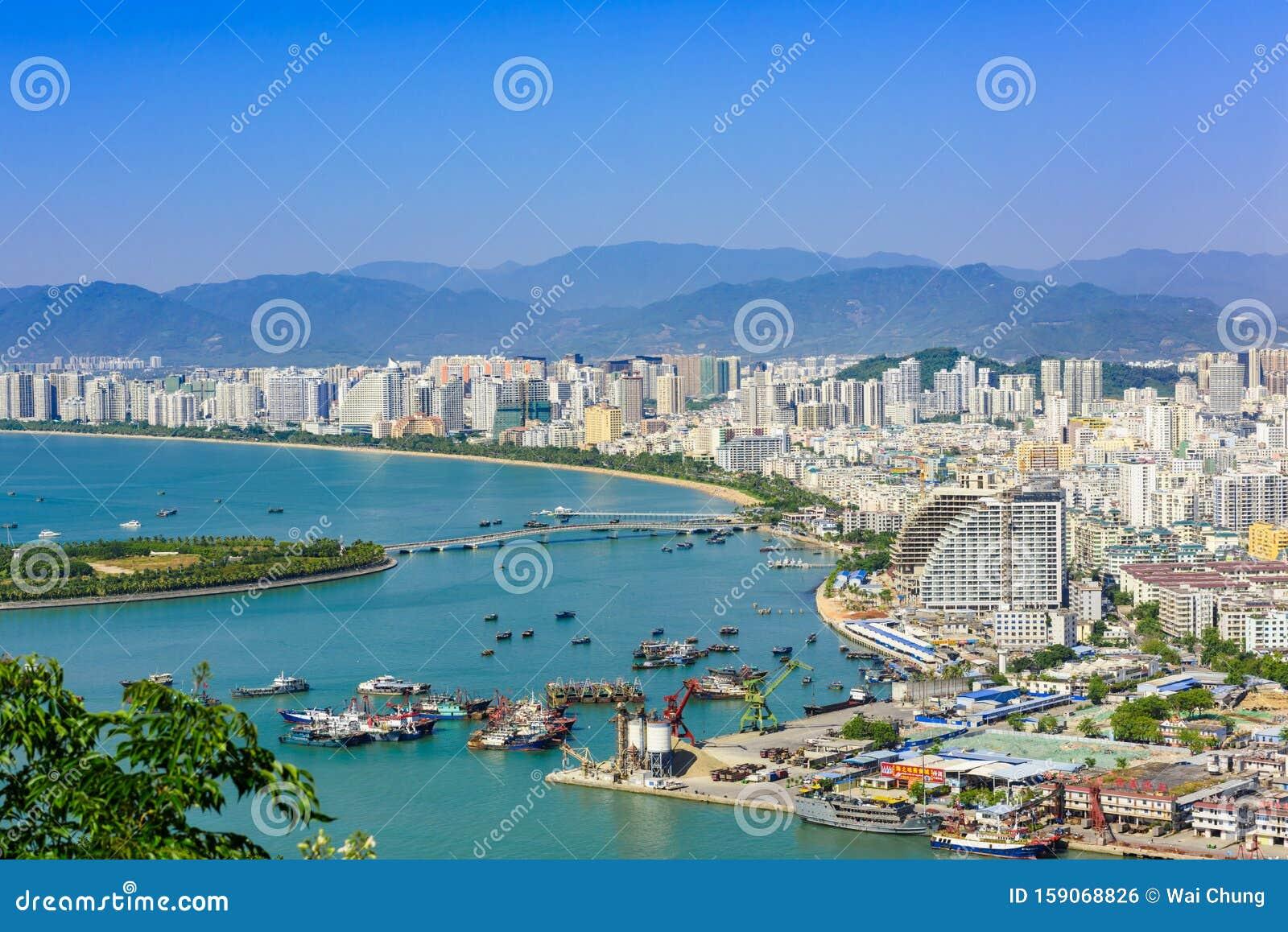 Vista De La Ciudad De Sanya Isla De Hainan China Foto Editorial Imagen De Hainan Ciudad 159068826