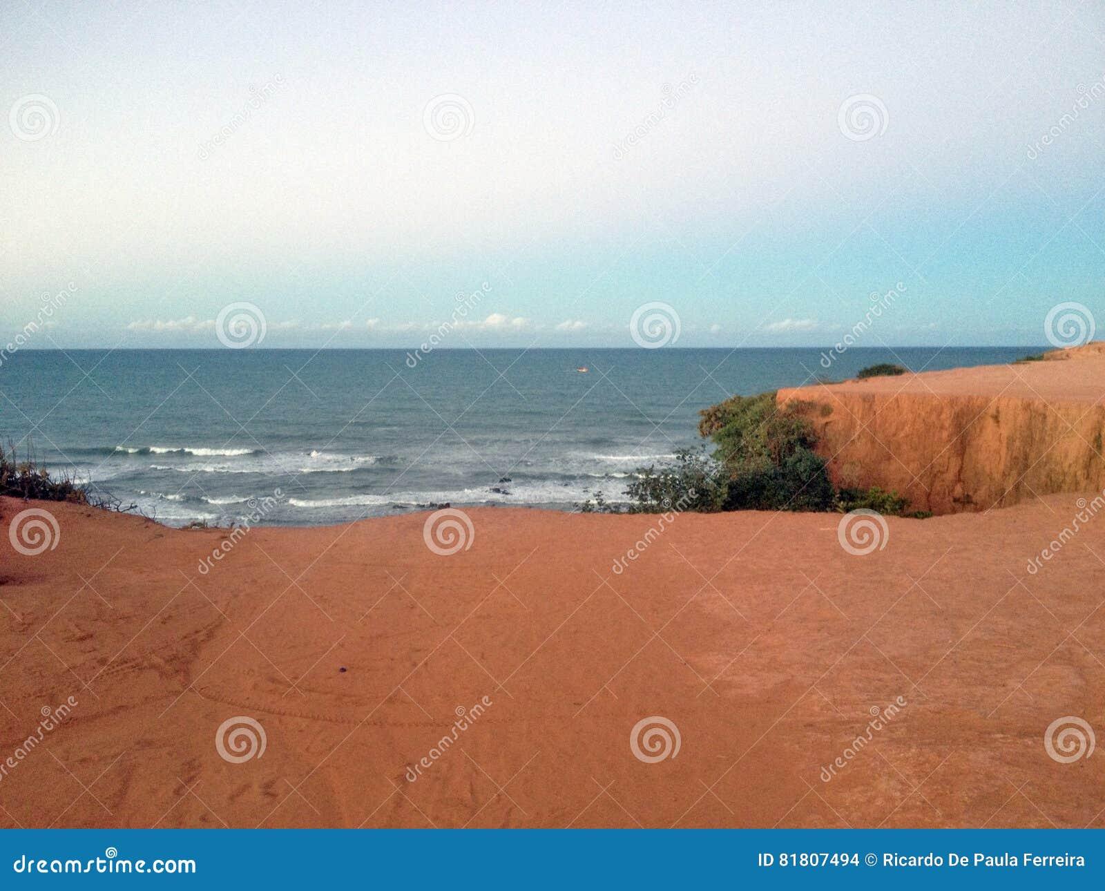 Vista de la playa famosa del Pipa - para el web