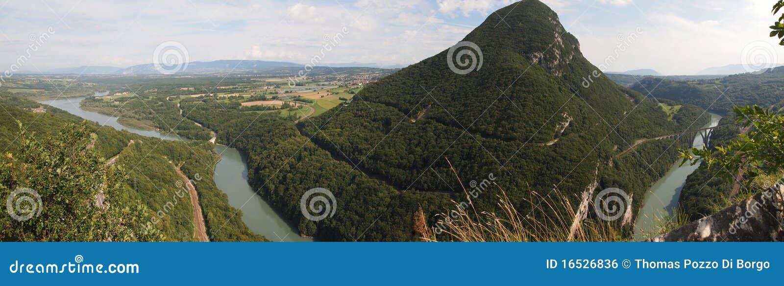 Vista de las montañas suizas