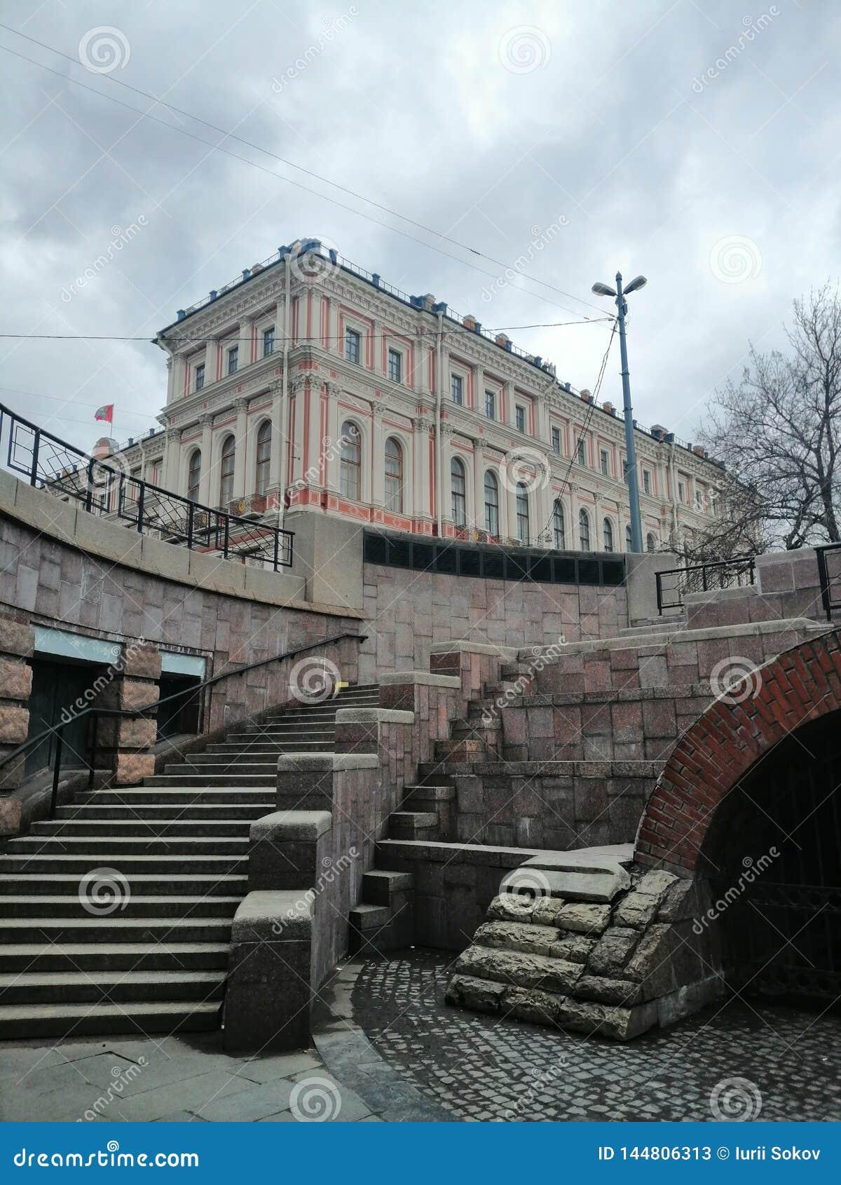 Vista de los pasos y del palacio