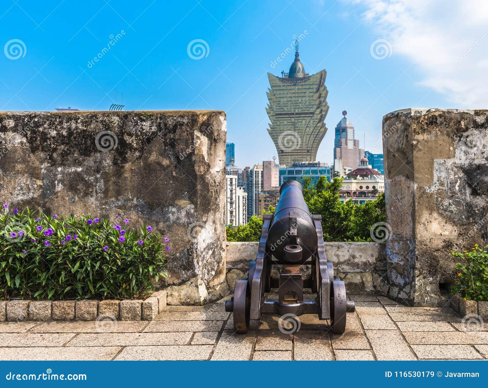 Vista de Macau das paredes de Monte Fort