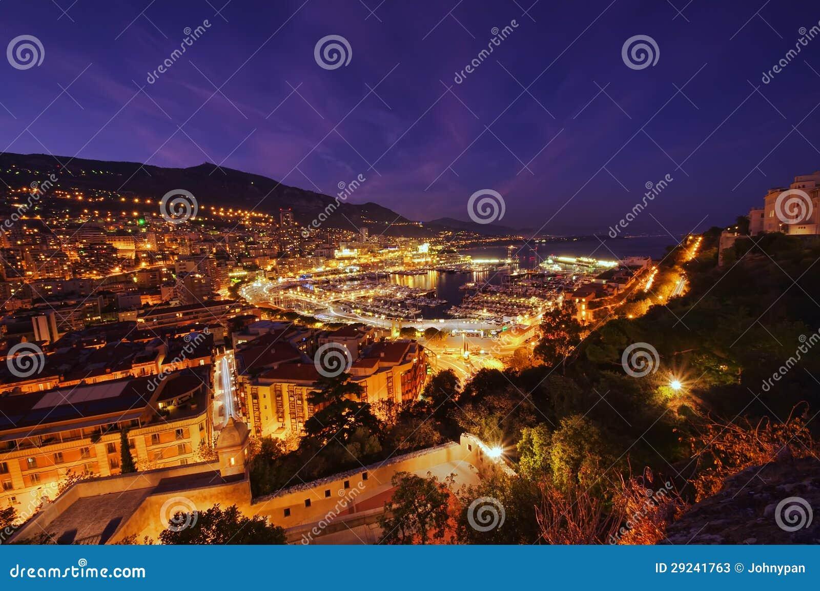 Download Vista de Monaco na noite imagem de stock. Imagem de cidade - 29241763