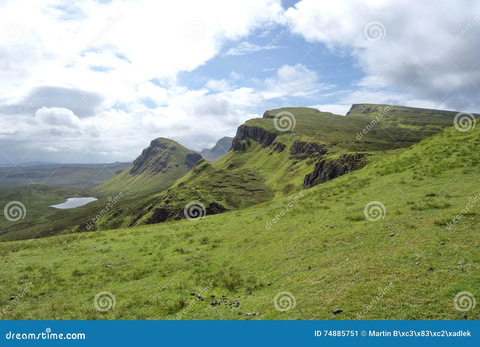 Vista de Quiraing, ilha de Skye, Escócia