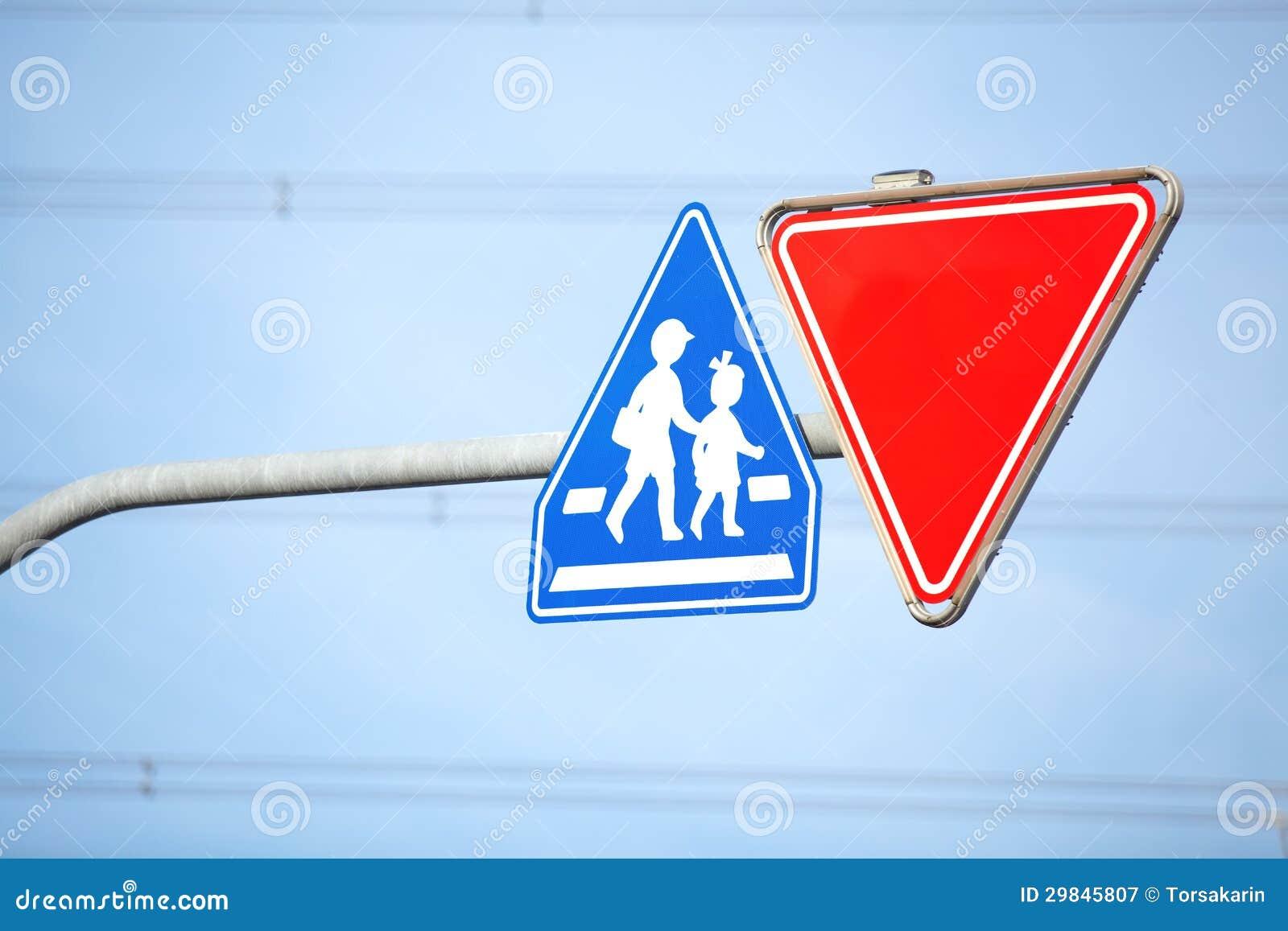 Sinal de advertência da escola