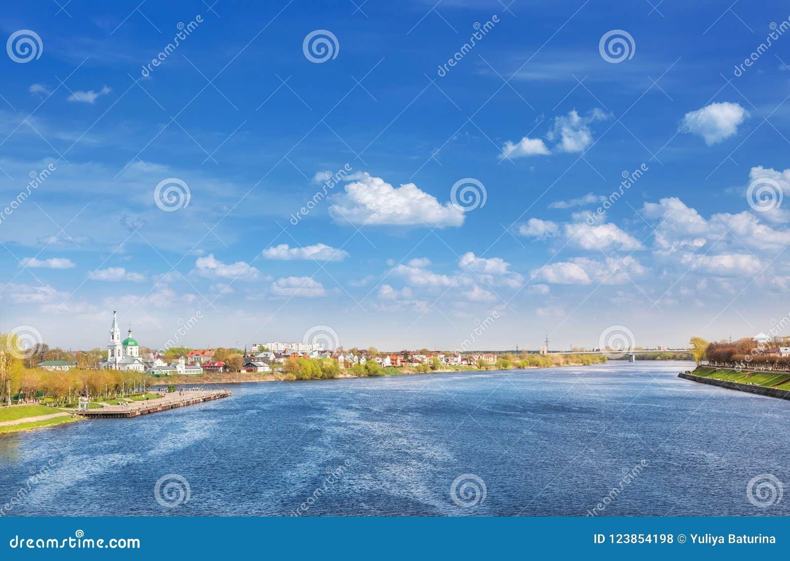 Vista de Tver del puente