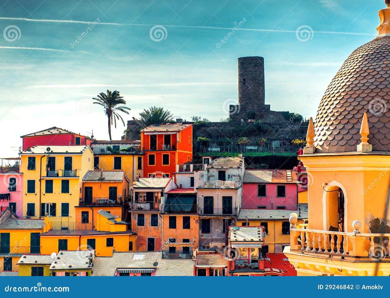 Download Vista de Vernazza foto de stock. Imagem de antigo, famoso - 29246842
