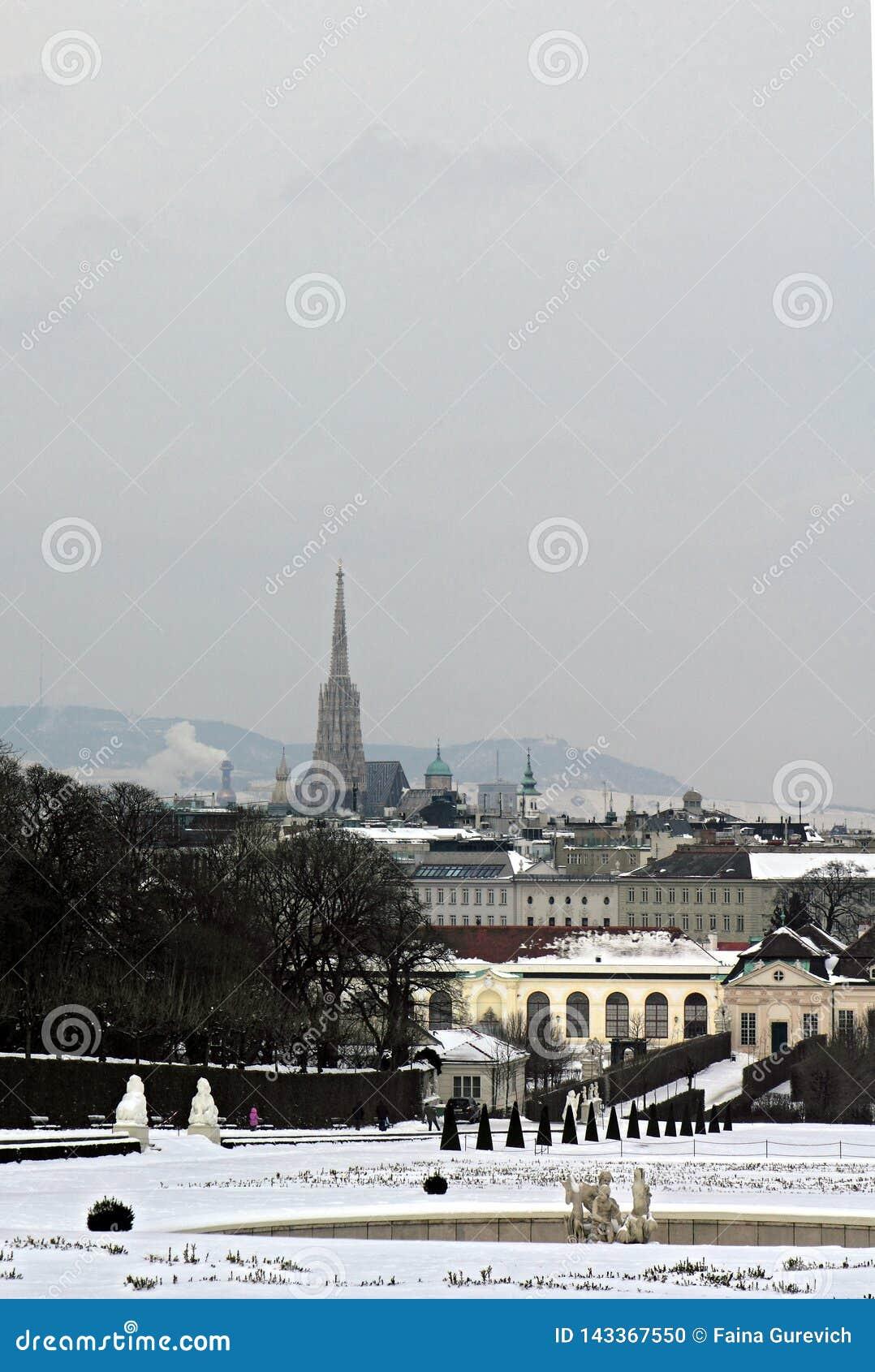 Vista de Viena del palacio del belvedere en un día de invierno