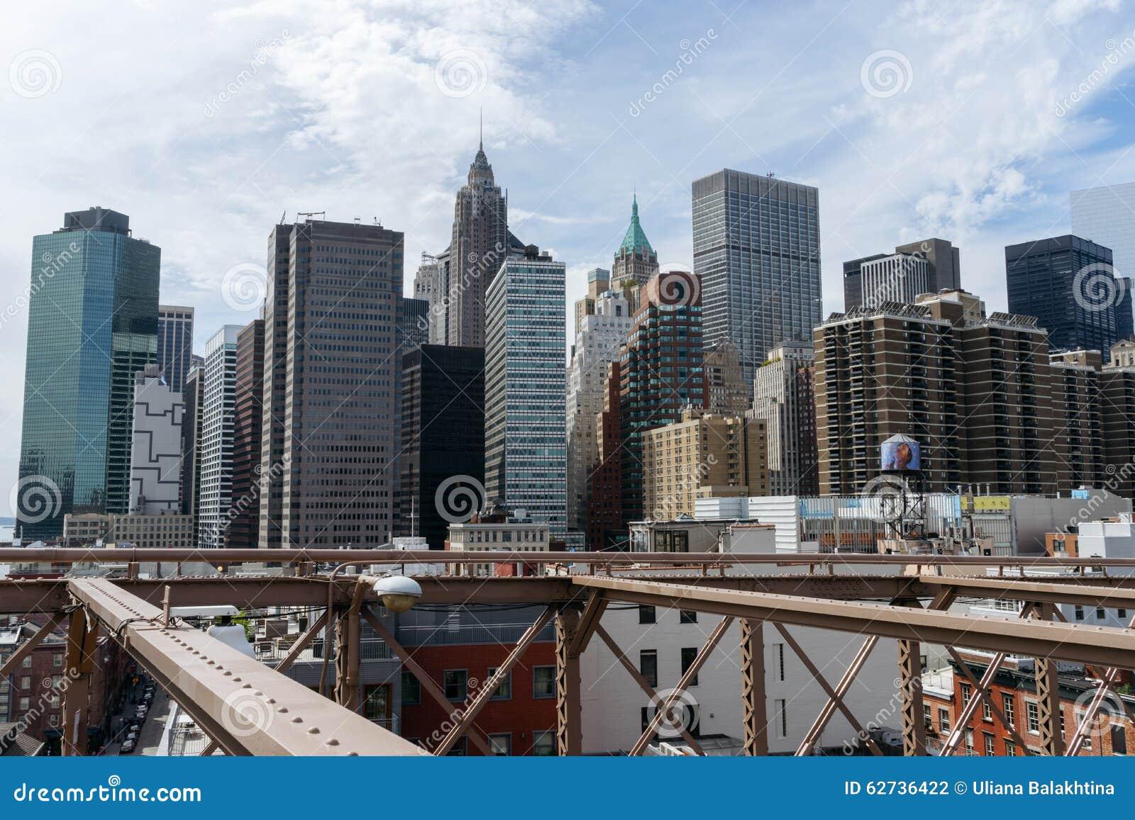 Vista dei grattacieli dal ponte di brooklyn del centro new york fotografia editoriale - Apartamentos en nueva york centro ...