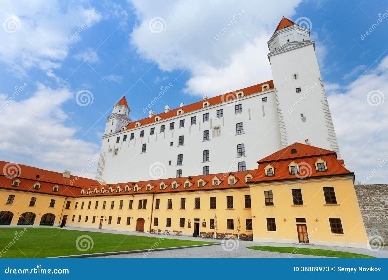 Download Vista Del Castello Di Bratislava Immagine Stock - Immagine di castello, europeo: 36889973
