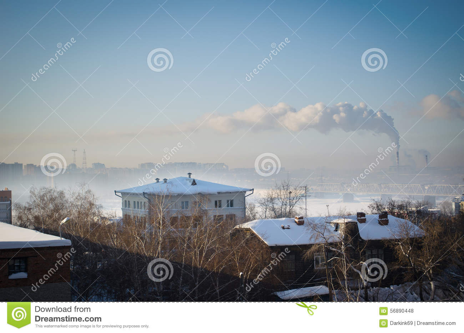 Vista del fiume Ob in Siberia nell inverno dentro in città