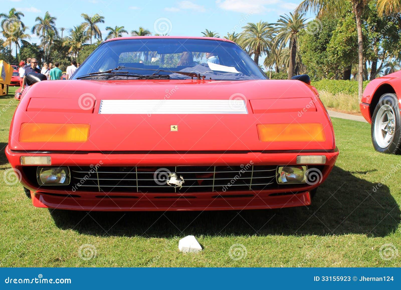 Vista Del Frontale Del Supercar Di Ferrari Degli Anni 70 ...
