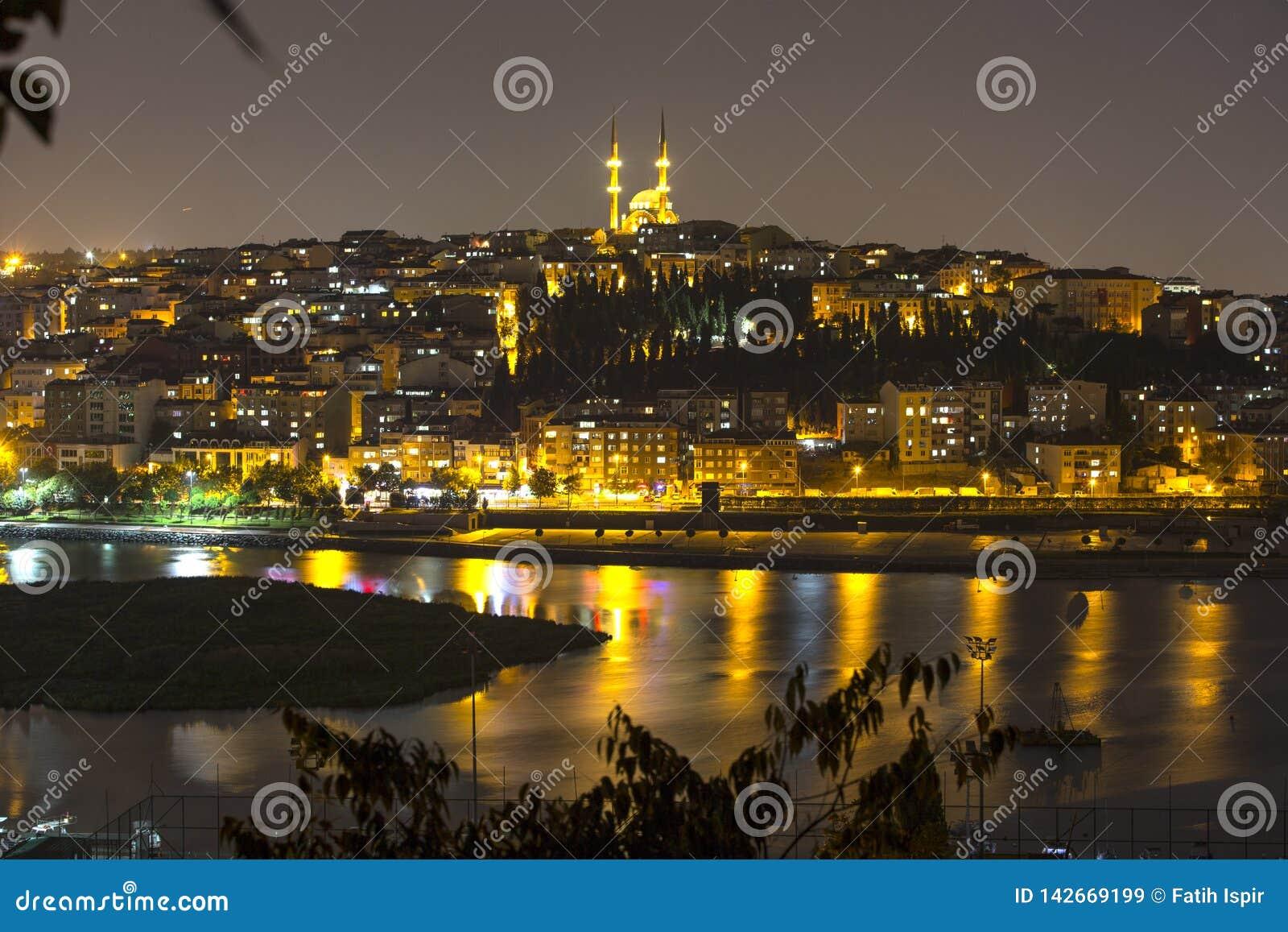 Vista del Halic dalla cima di Pierre Loti a Costantinopoli Turchia