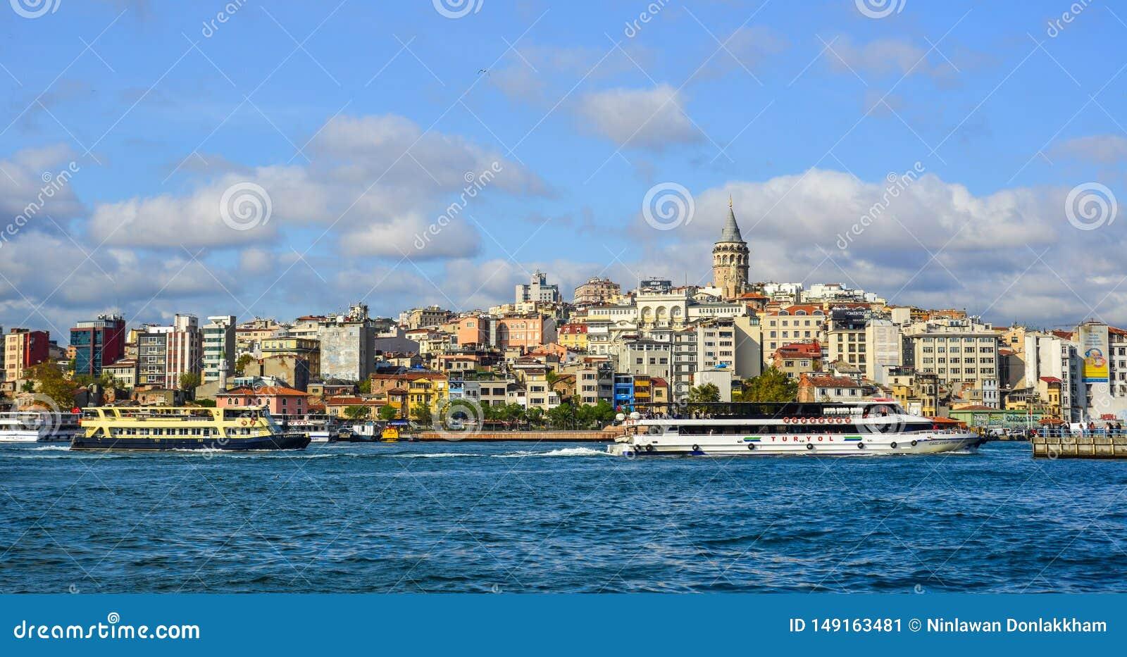 Vista del lungomare di Costantinopoli