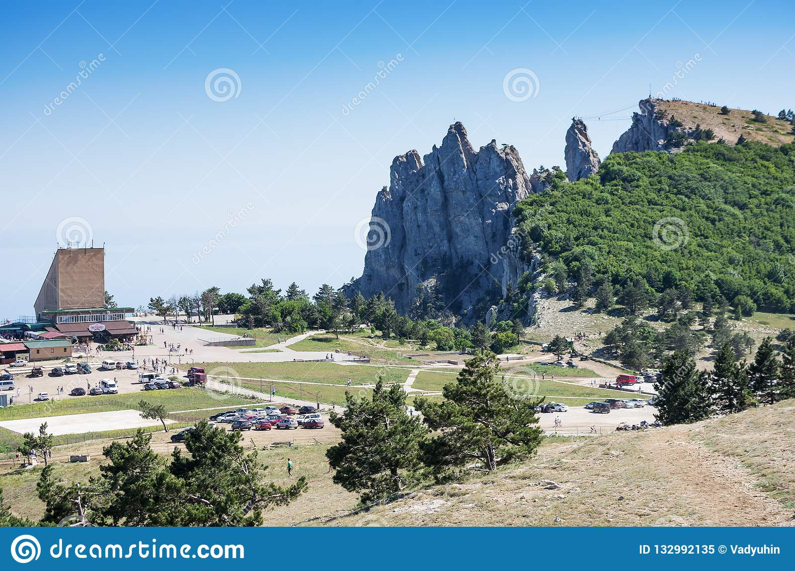 Plafoniere Da Montagna : Vista del mare dalla cima della montagna immagine editoriale