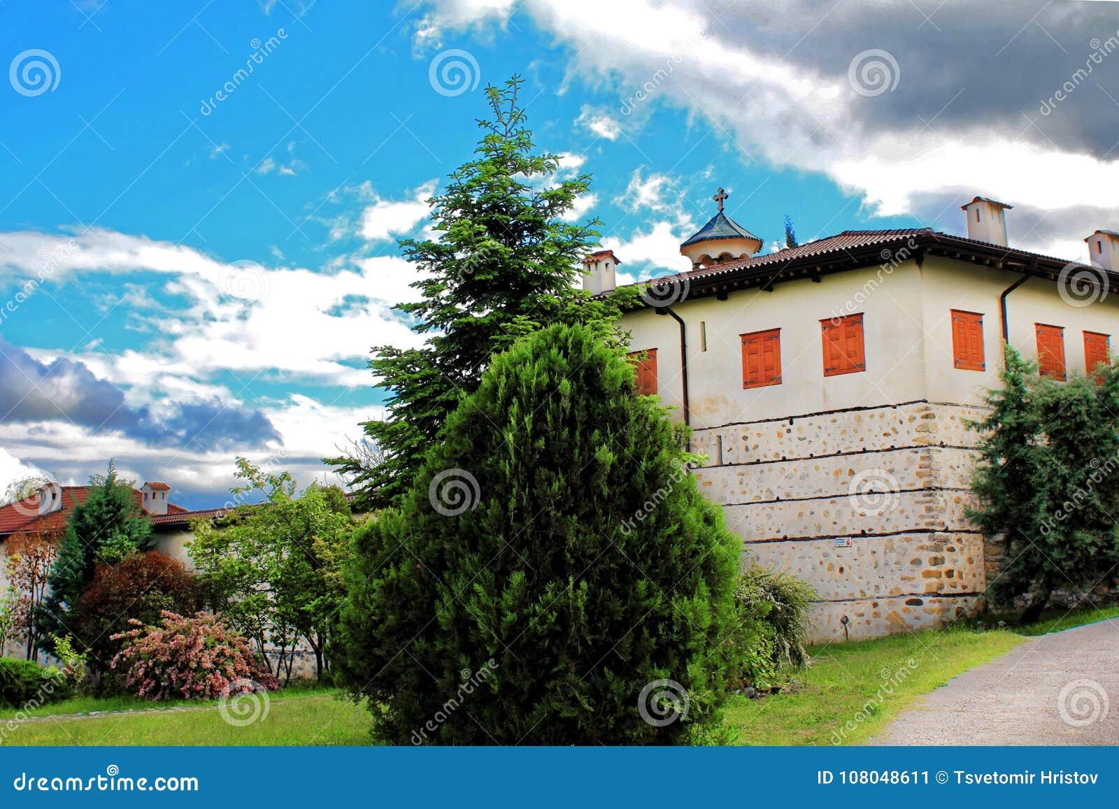 Vista del monasterio de Rozhen