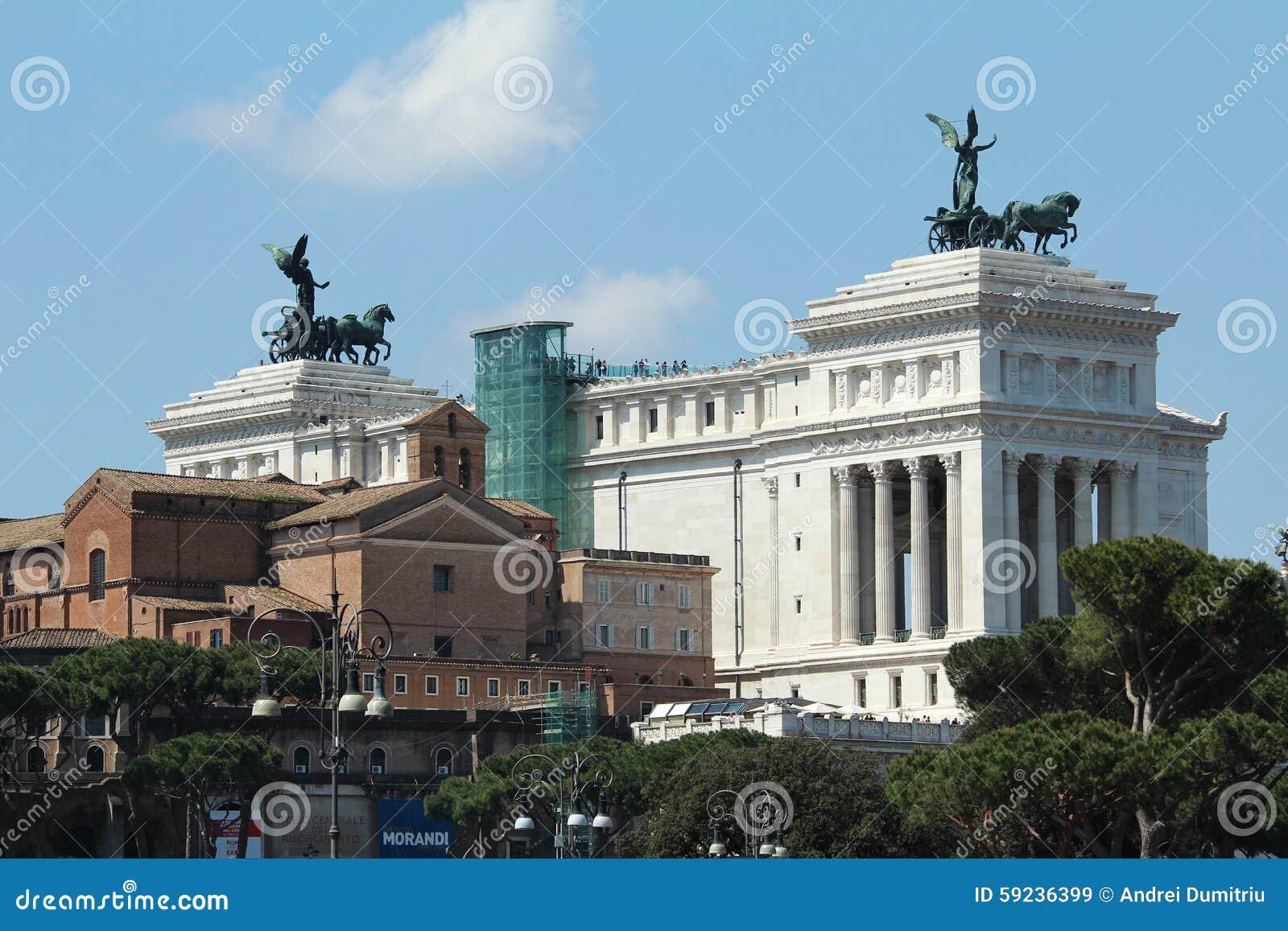 Download Vista Del Monumento De Guerra De Roma Imagen de archivo editorial - Imagen de estatuas, destinación: 59236399